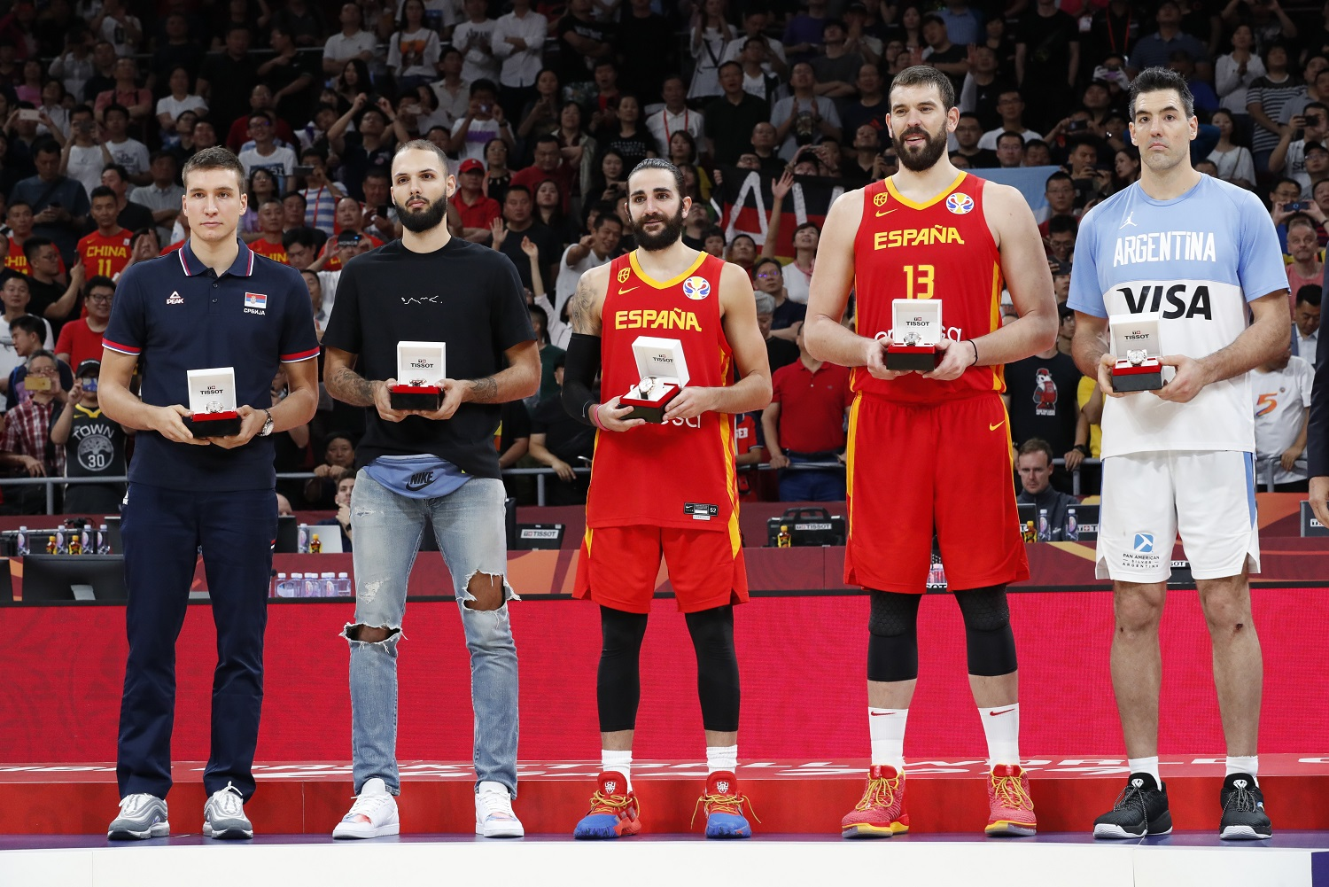 2019-09-15T152537Z_696747571_UP1EF9F16UP5Q_RTRMADP_3_BASKETBALL-WORLDCUP-ARG-ESP