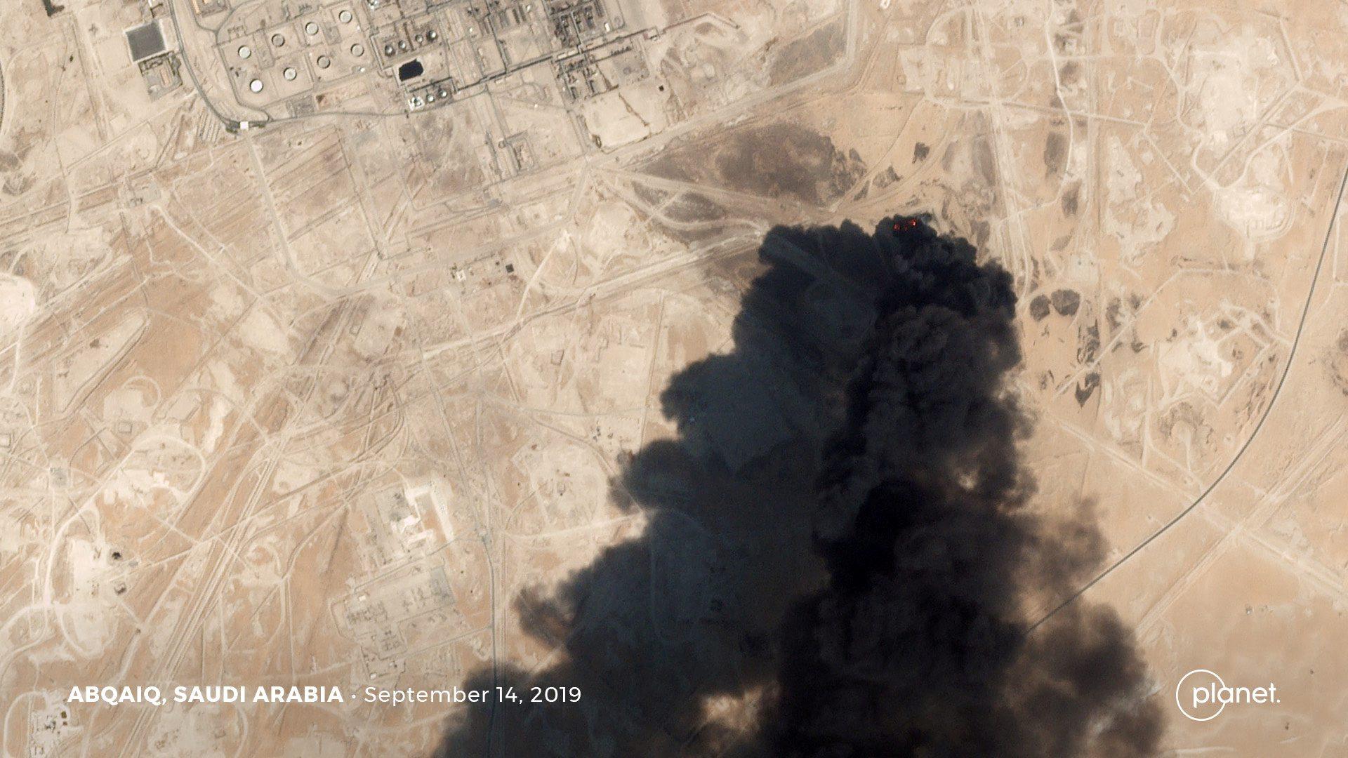 Satelitska snimka napada na postrojenja Saudi Aramca