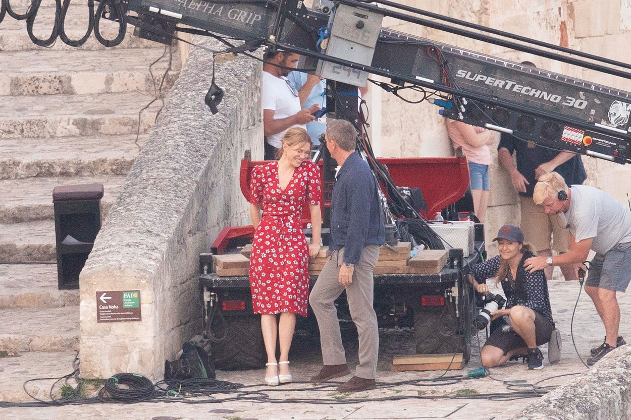 *PREMIUM EXCLUSIVE. NO WEB UNTIL 5pm EST SUNDAY SEPT 15* Daniel Craig kisses French co-star Léa Seydoux, as they film scenes for James Bond - No Time to Die in Matera, Italy.The pair were seen to be joking between takes as they shot on cobbled steps at sunset in the ancient southern Italian city. 12 Sep 2019, Image: 470927097, License: Rights-managed, Restrictions: World Rights, Model Release: no, Credit line: Profimedia, Mega Agency