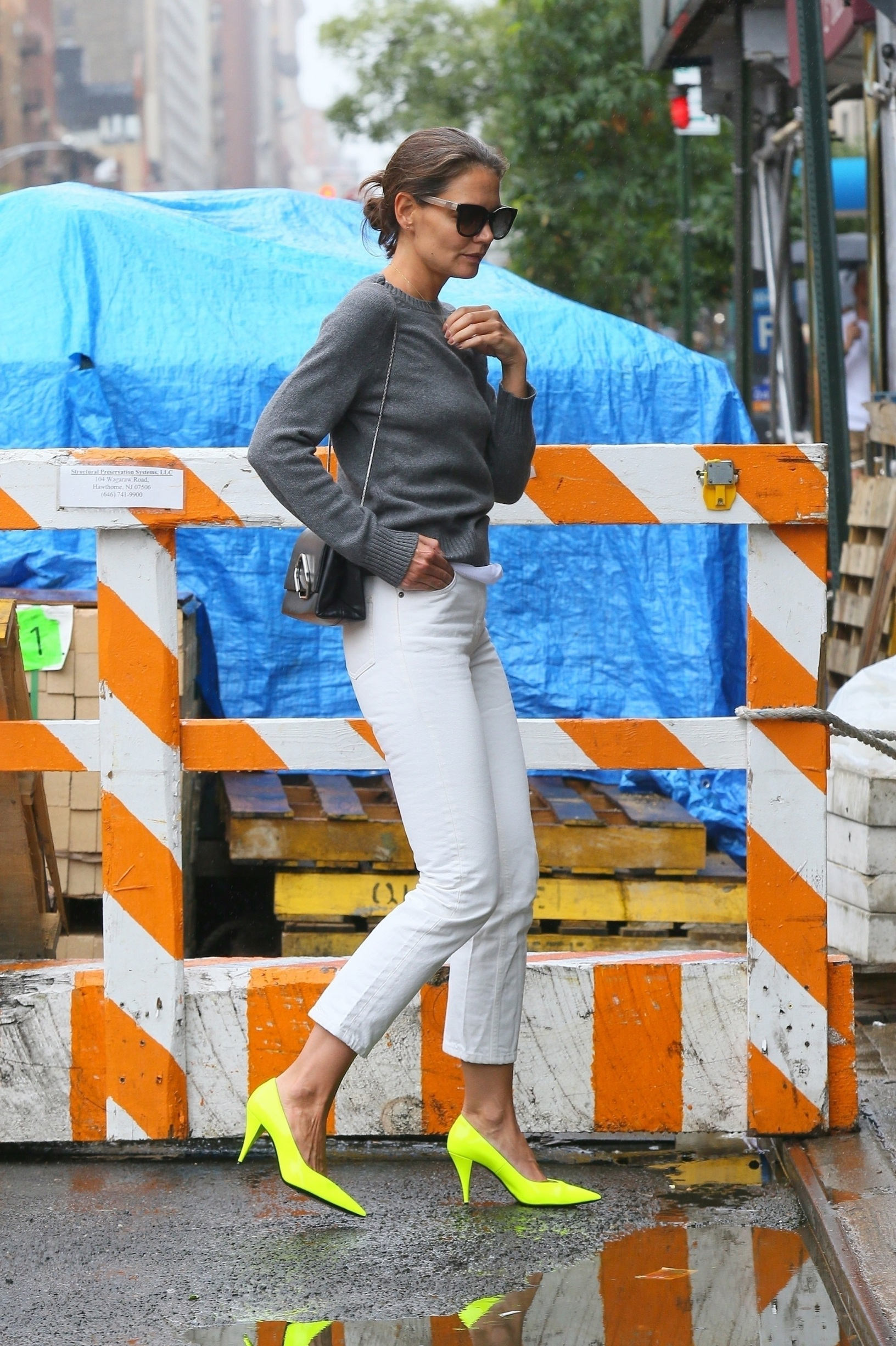 New York, NY  - *EXCLUSIVE* Katie Holmes steps out with style on a rainy day in New York for a trip to Serge Normant at John Frieda Salon, wearing yellow heels with white denim and a grey sweater.  BACKGRID USA 28 AUGUST 2019, Image: 467762458, License: Rights-managed, Restrictions: , Model Release: no, Credit line: Profimedia, Backgrid USA