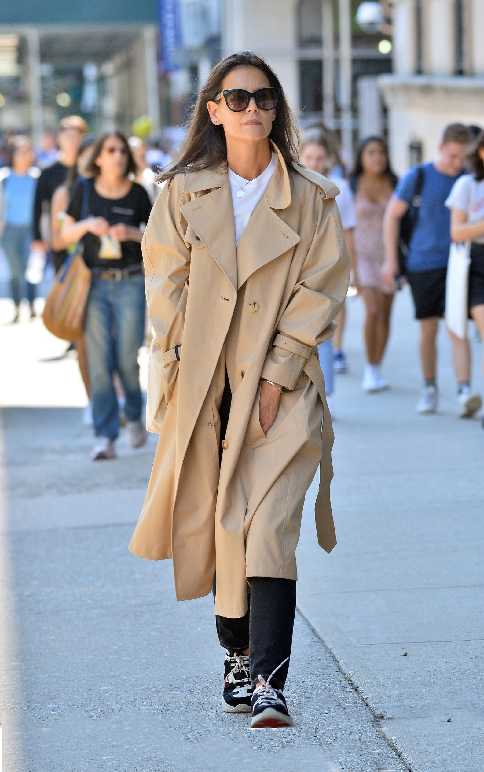 New York, NY  - Katie Holmes is all smiles as she steps out in a trench coat to Columbia University in NYC.  *UK Clients - Pictures Containing Children Please Pixelate Face Prior To Publication*, Image: 468971224, License: Rights-managed, Restrictions: , Model Release: no, Credit line: Profimedia, Backgrid USA