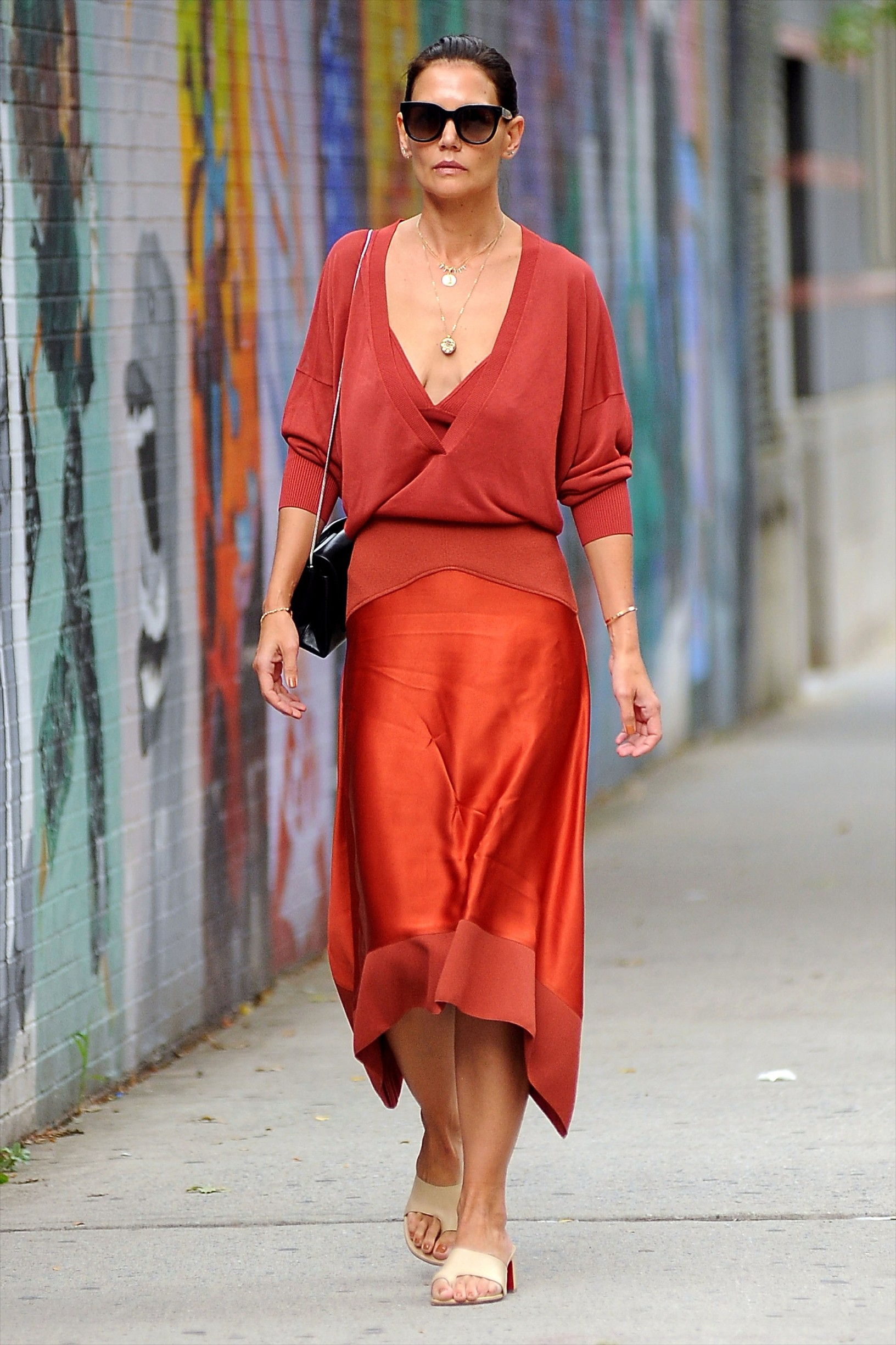 -New York, NY - 20190906 Katie Holmes wears a red dress as she heads out for the day in NYC.  -PICTURED: Katie Holmes -, Image: 469439779, License: Rights-managed, Restrictions: , Model Release: no, Credit line: Profimedia, INSTAR Images