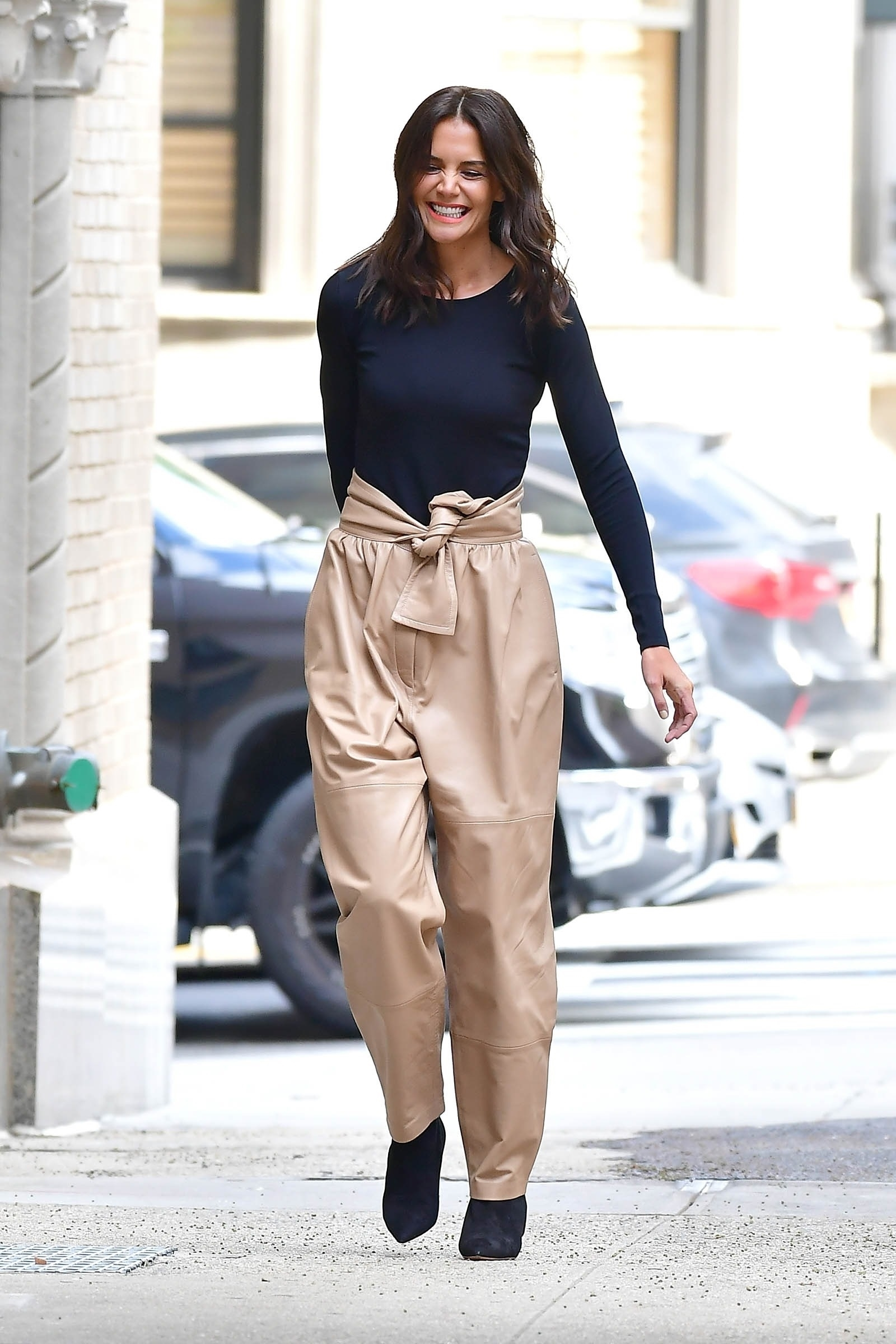 New York, Ny  - Katie Holmes turned photographer arriving to her house with a male model  BACKGRID USA 9 SEPTEMBER 2019, Image: 469924977, License: Rights-managed, Restrictions: RIGHTS: WORLDWIDE EXCEPT IN FRANCE, GERMANY, POLAND, Model Release: no, Credit line: Profimedia, Backgrid USA