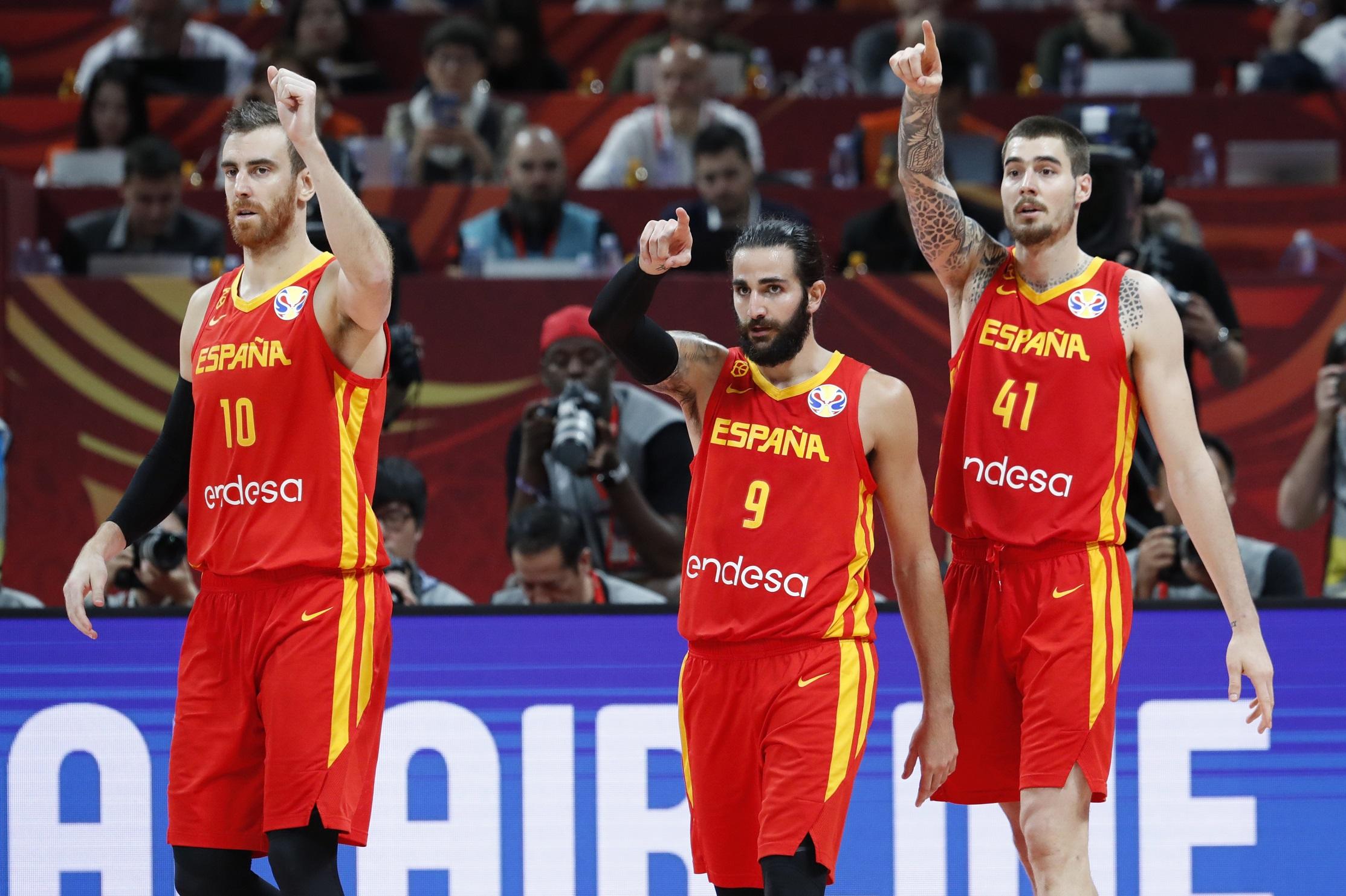 Basketball - FIBA World Cup - Final - Argentina v Spain - Wukesong Sport Arena, Beijing, China - September 15, 2019   Spain's Victor Claver, Ricky Rubio and Juancho Hernangomez REUTERS/Kim Kyung-Hoon
