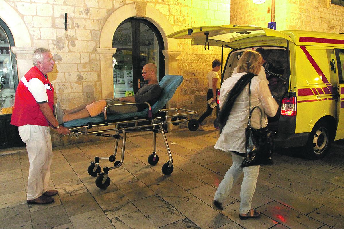 Dubrovnik, 200811. Sinoc na glavnoj probi uoci sutrasnje permijere predstave