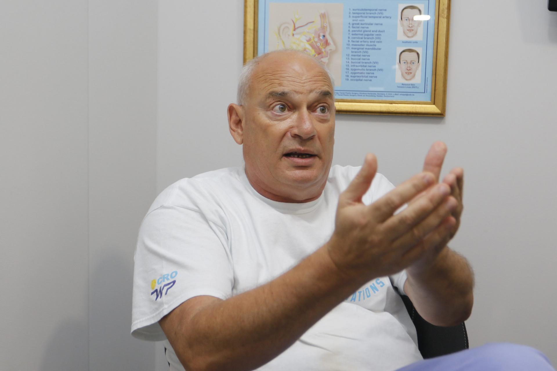 Dr. Branko Glušac