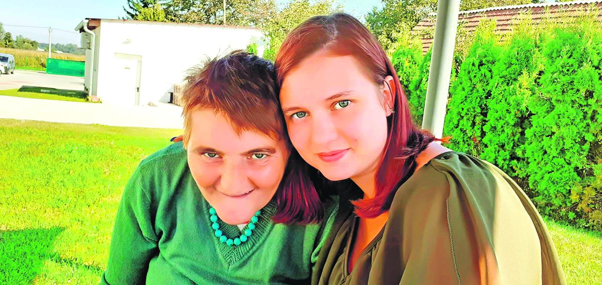 Anita i njena biološka majka Mirjana