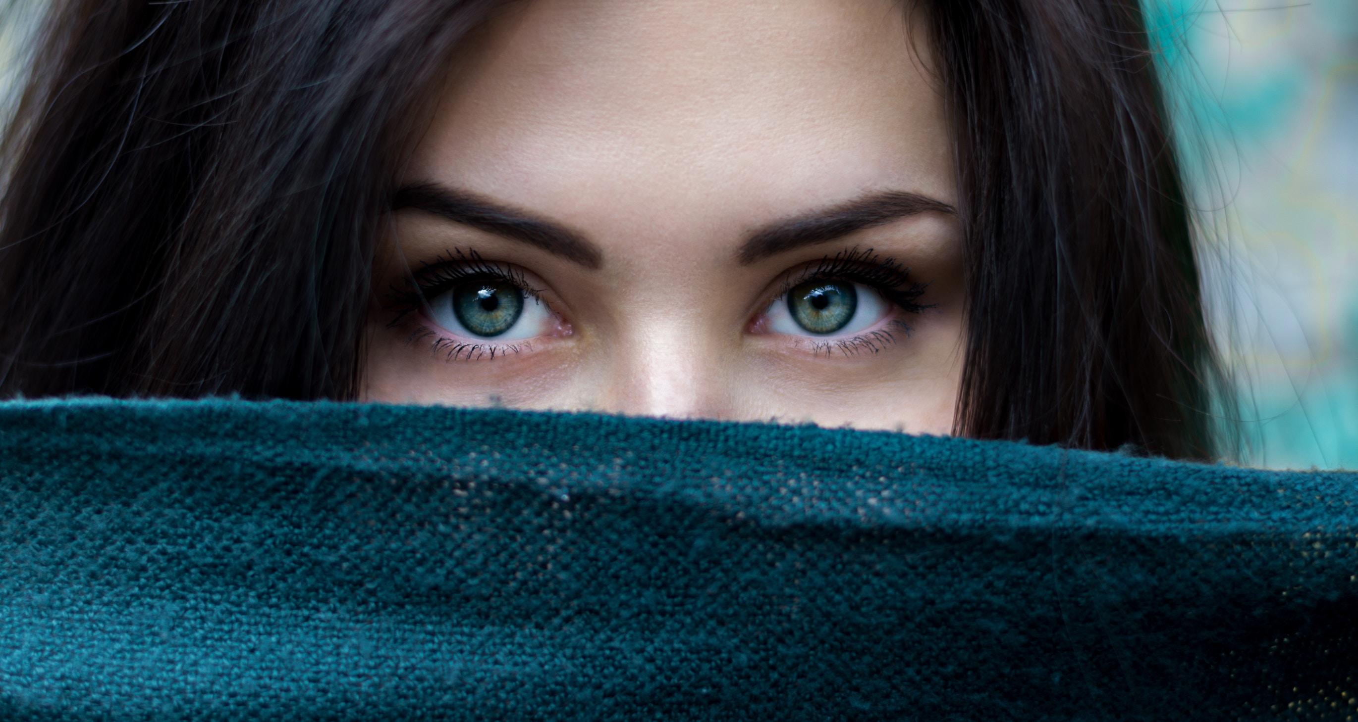 Disocijacija je odvajanje od osjećaja koji ste imali 'oko' svoje traume. To je način da se zaštitite kada ste povrijeđeni ili zlostavljani kao dijete. Pogotovo kad vas povrijede oni koji bi vam trebali pomoći...
