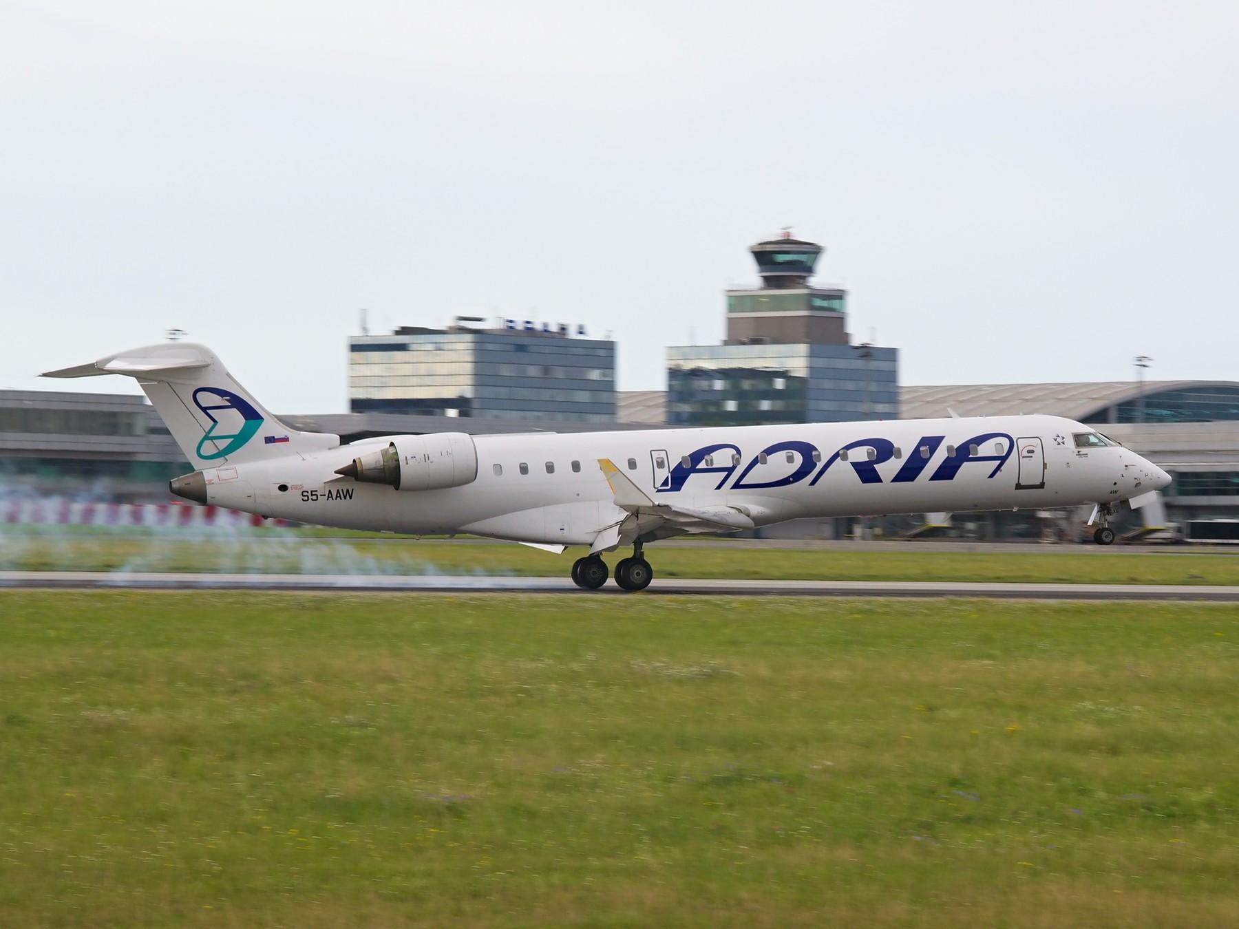 Avion Adria Airwaysa