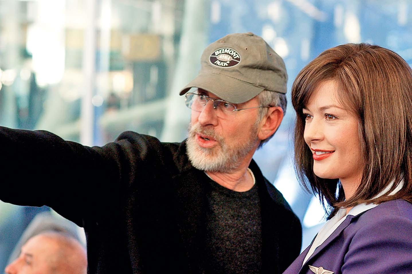 THE TERMINAL, Director Steven Spielberg, Catherine Zeta-Jones, 2004, (c) DreamWorks/courtesy Everett Collection