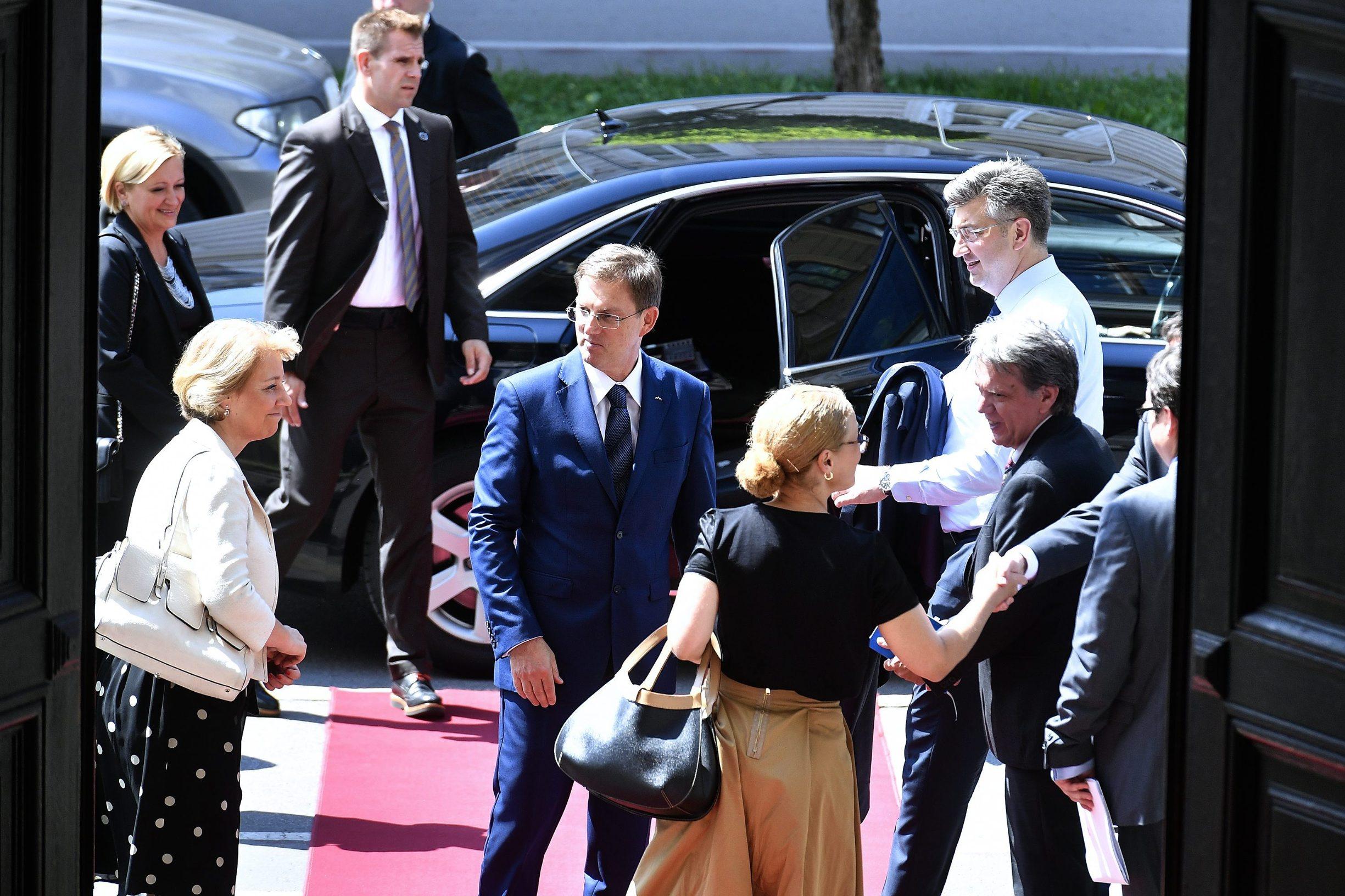 Susret Mire Cerara (u sredini) i hrvatskog premijera Andreja Plenkovića
