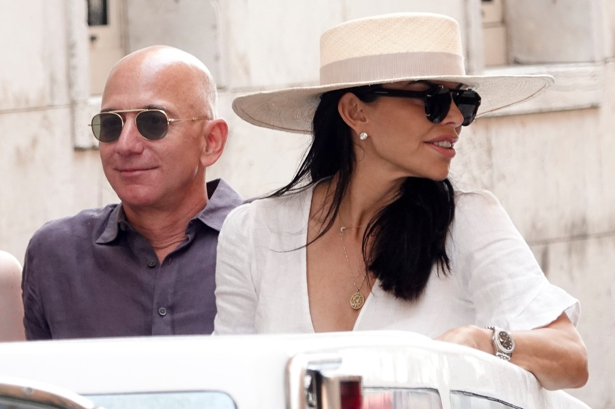 EXCLUSIVE: Jeff Bezos with new girlfriend Lauren Sanchez spotted while visiting Venice. 31 Aug 2019, Image: 468313509, License: Rights-managed, Restrictions: World Rights, Model Release: no, Credit line: Profimedia, Mega Agency