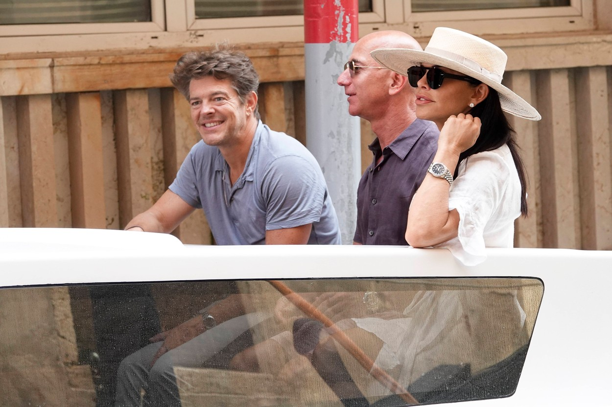 EXCLUSIVE: Jeff Bezos with new girlfriend Lauren Sanchez spotted while visiting Venice. 31 Aug 2019, Image: 468313540, License: Rights-managed, Restrictions: World Rights, Model Release: no, Credit line: Profimedia, Mega Agency