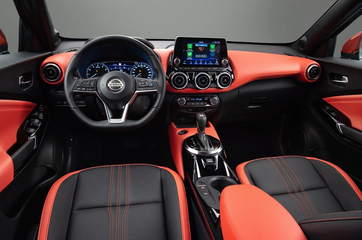 Sep. 3 - 6pm CET - New Nissan JUKE Unveil  Black Static Studio - 12_1