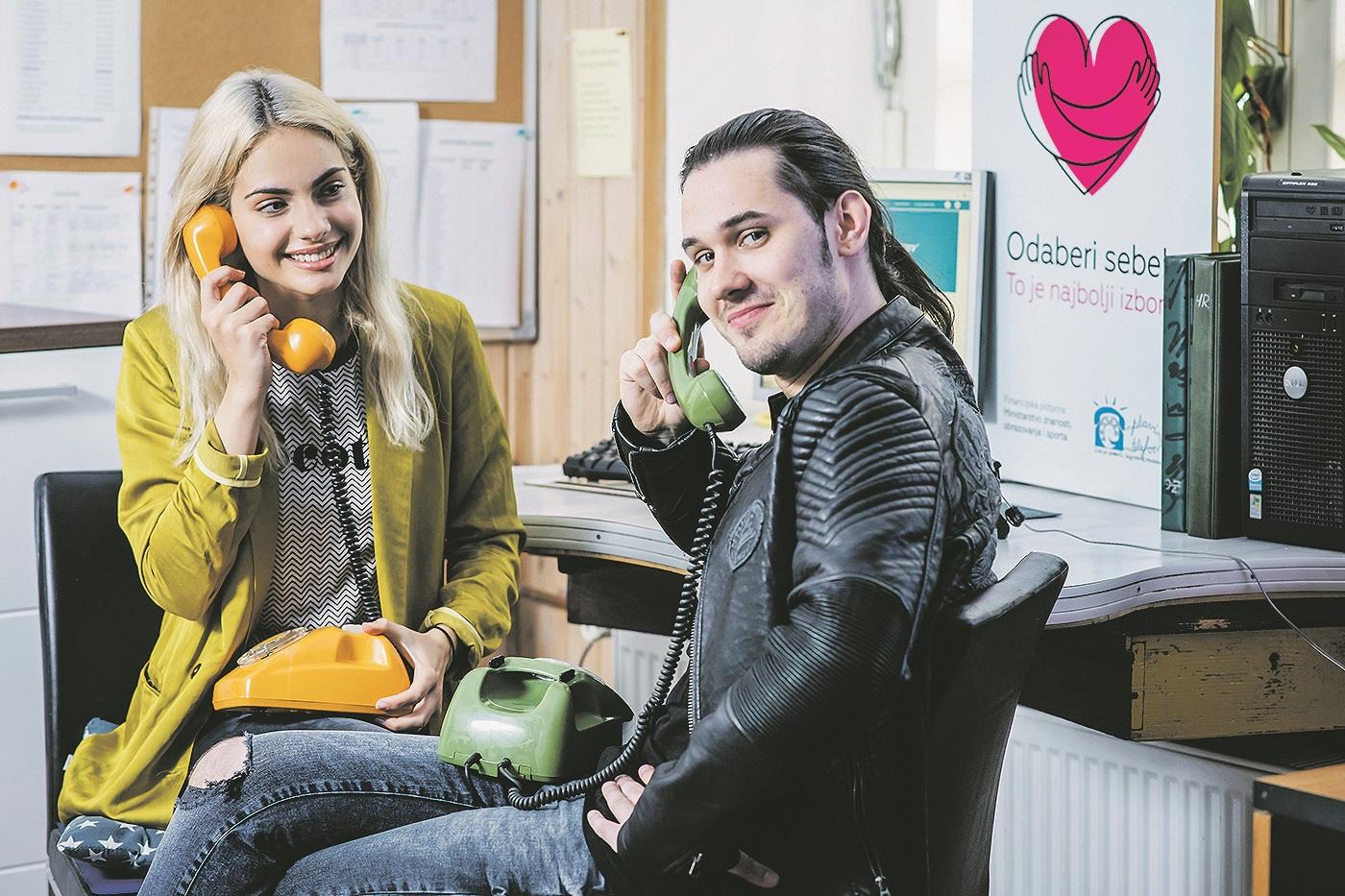Zagreb, 270519. Tara Thaller i Dino Jelusic volontirali su u udruzi Plavi telefon. Foto: Neja Markicevic / CROPIX