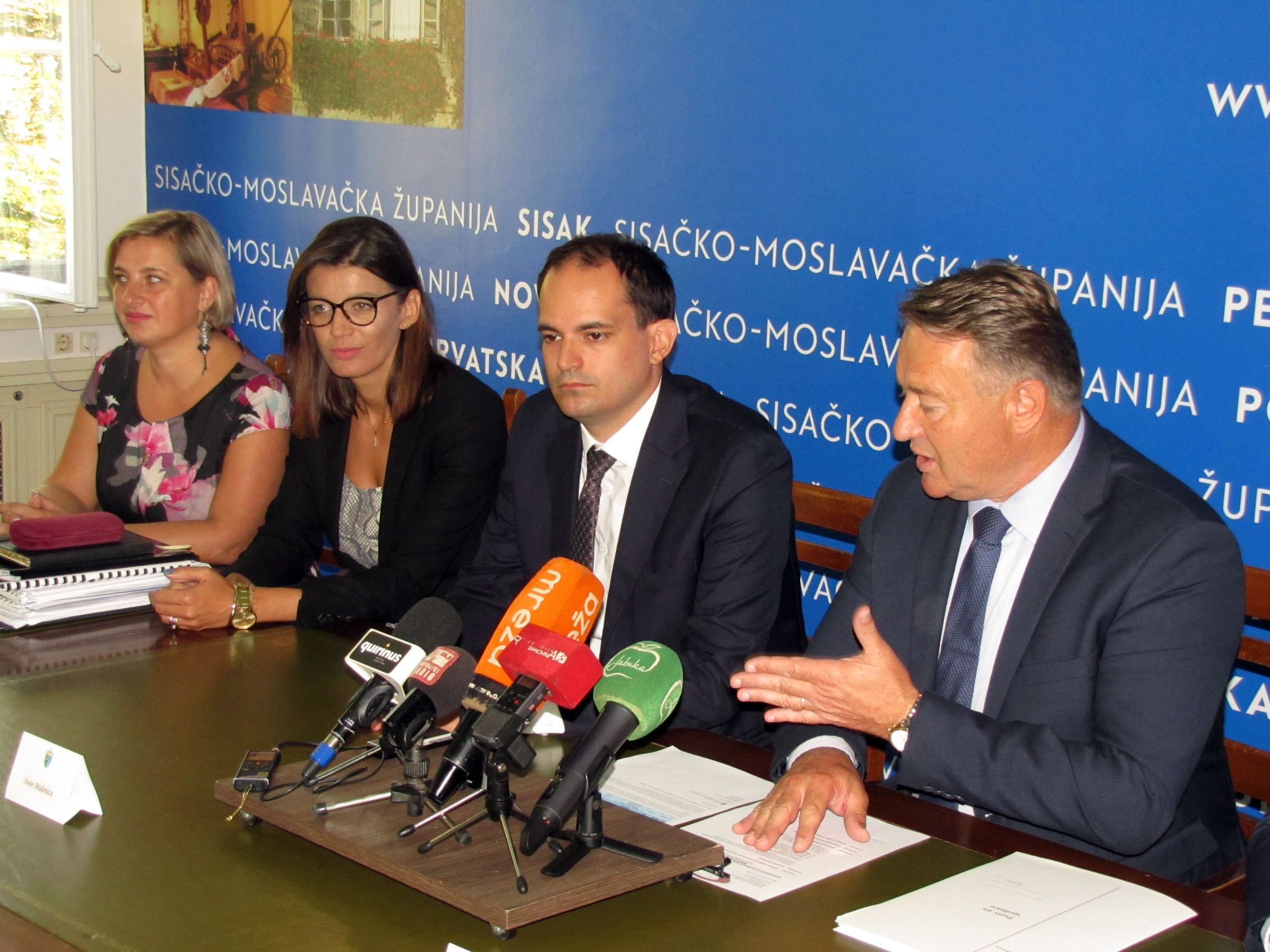 Silvija Desić Basarić, Josipa Rimac, ministar Ivan Malenica i župan Ivo Žinić
