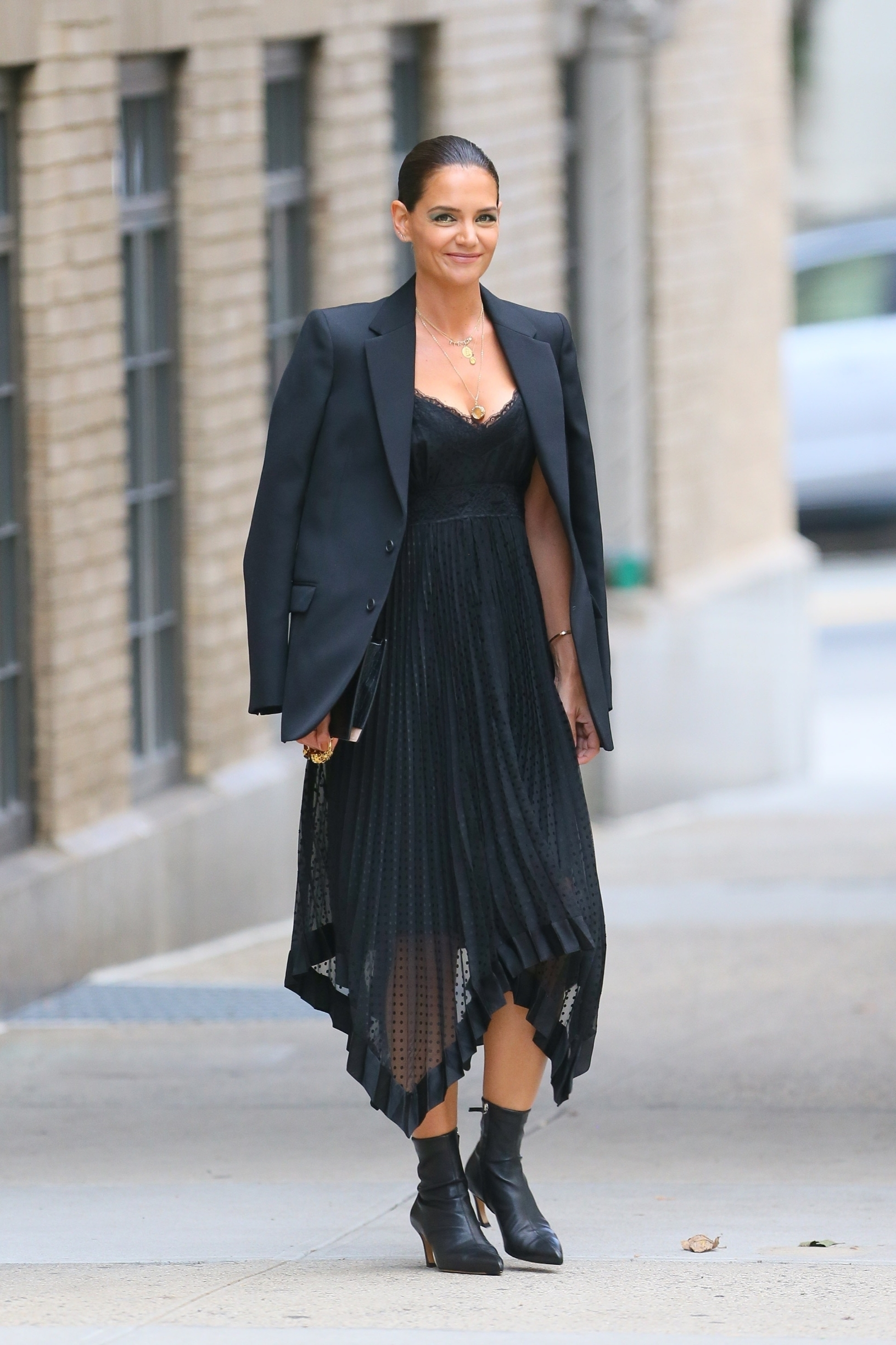 New York, NY  - Actress and model Katie Holmes is all prepped for a fashionable event at Zimmermann in NYC. The mother, actress, and model, leaves her apartment with natural-looking make-up accentuated with smokey eyeshadow.  BACKGRID USA 4 SEPTEMBER 2019, Image: 469176334, License: Rights-managed, Restrictions: , Model Release: no, Credit line: Profimedia, Backgrid USA