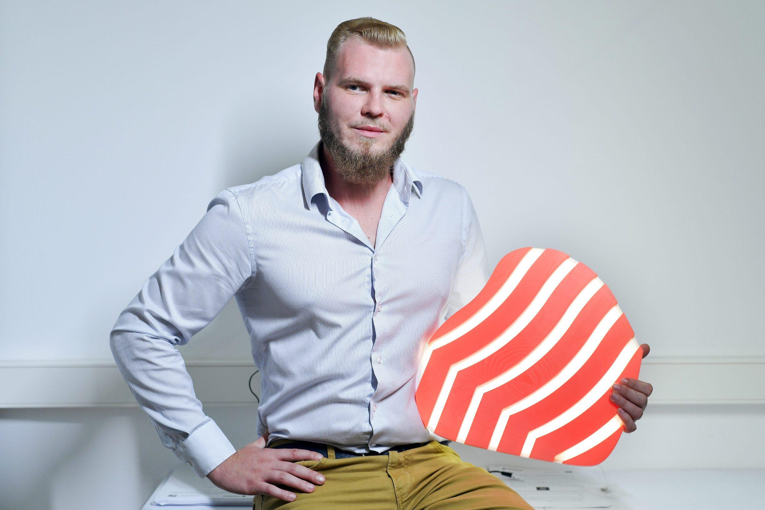Marko Kozjak, jedan od osnivača digitalne platforme VeeMee u svom uredu u Zagrebackom inovacijskom centru - Zicer