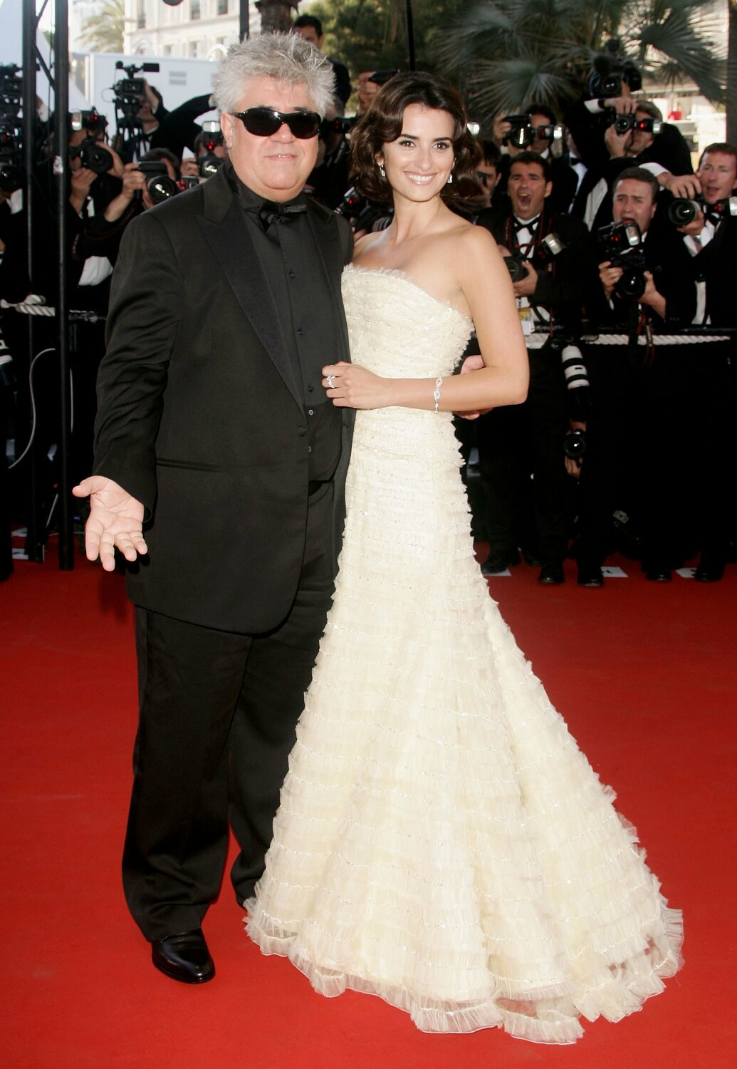 CANNES, FRANCE - MAY 19:  Spanish actress Penelope Cruz and spanish director Pedro Almodovar attend the 'Volver' premiere at the Palais des Festivals during the 59th International Cannes Film Festival May 19, 2006 in Cannes, France.  (Photo by Pascal Le Segretain/Getty Images)
