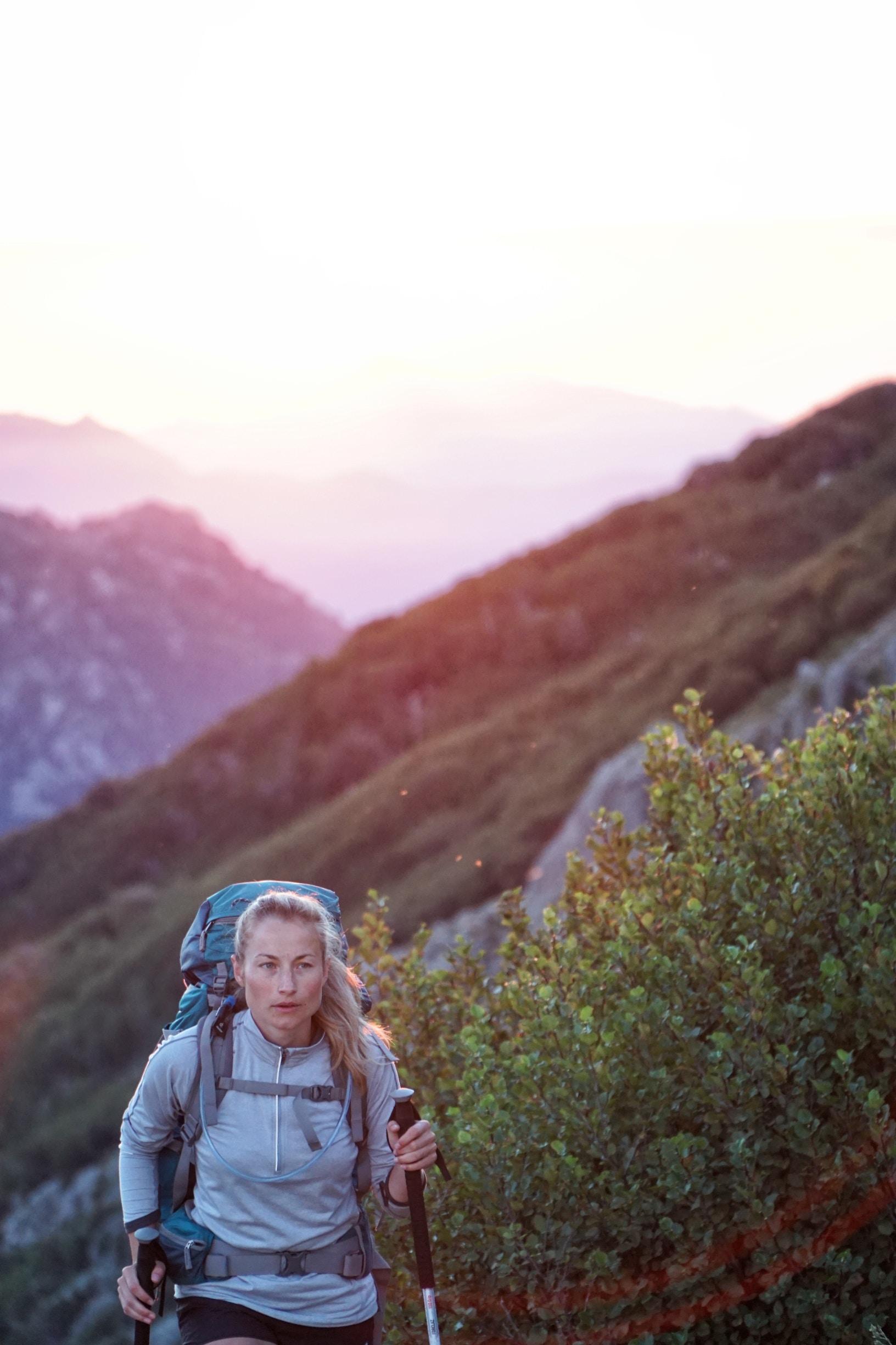 Riječ je o hodanju uz pomoć posebno dizajniranih štapova i ova aktivnost privlači velik broj ljudi u svijetu, a sve više i u Hrvatskoj.