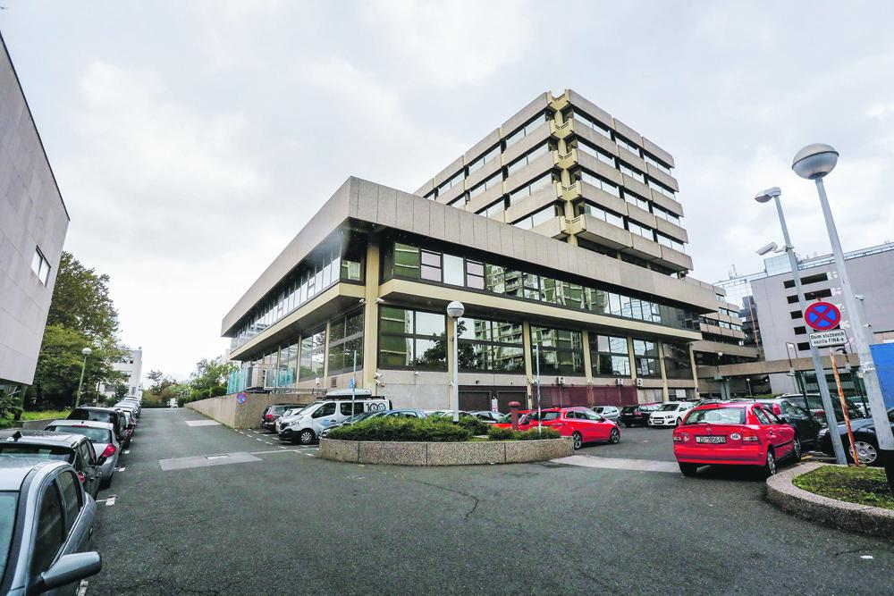 Zgrada FINA-e u kojoj se uređuje restoran na 6. katu