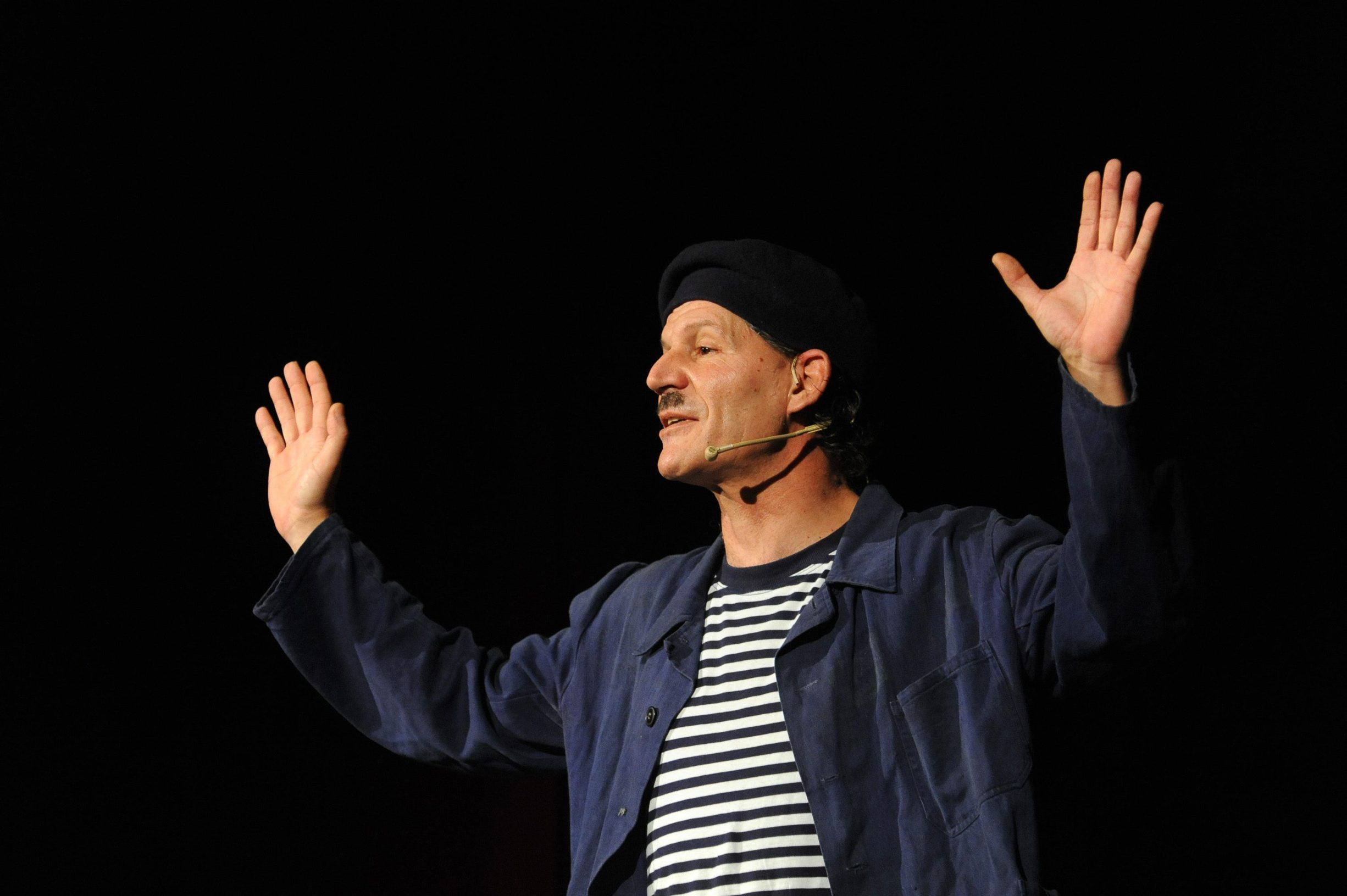 Zadar, 271212. Veceras je u HNK Zadar gostovao Damir Mihanovic Cubi sa svojom monokomedijom