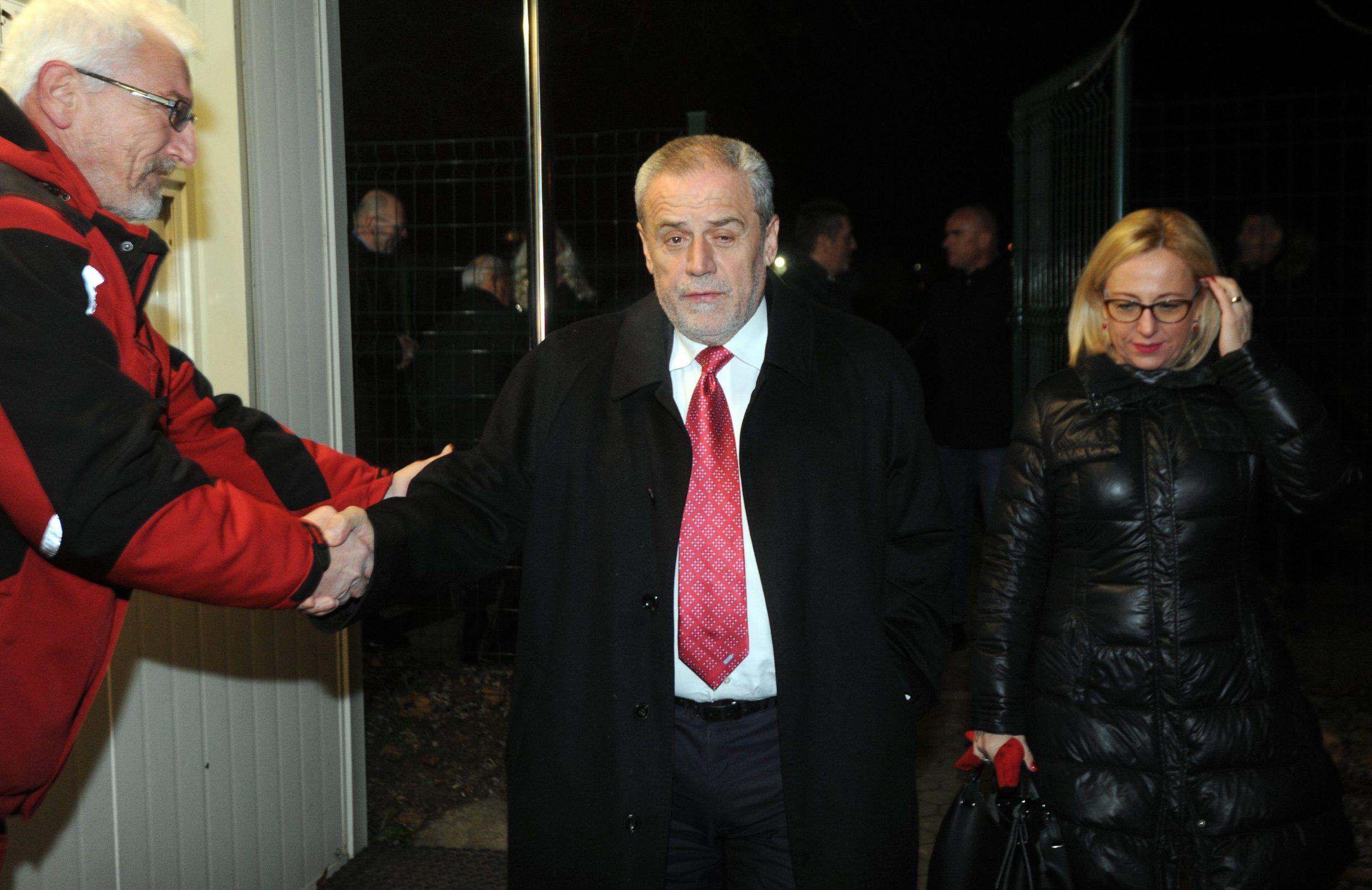 Milan Bandić s beskućnicima u Kosnici