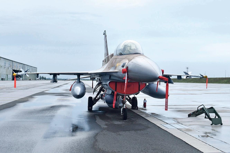 Prije točno godinu dana generalni direktor izraelskog ministarstva obrane službeno je objavio da Izrael nije u mogućnosti Hrvatskoj prodati borbene avione F-16 Barak