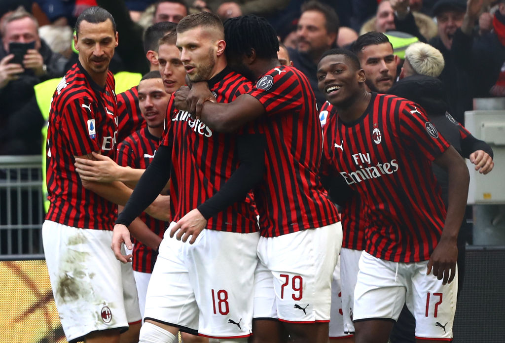 MILAN, ITALY - JANUARY 19:  Ante Rebic #18 of AC Milan celebrates his second goal with his team-mates during the Serie A match between AC Milan and Udinese Calcio at Stadio Giuseppe Meazza on January 19, 2020 in Milan, Italy.  (Photo by Marco Luzzani/Getty Images)