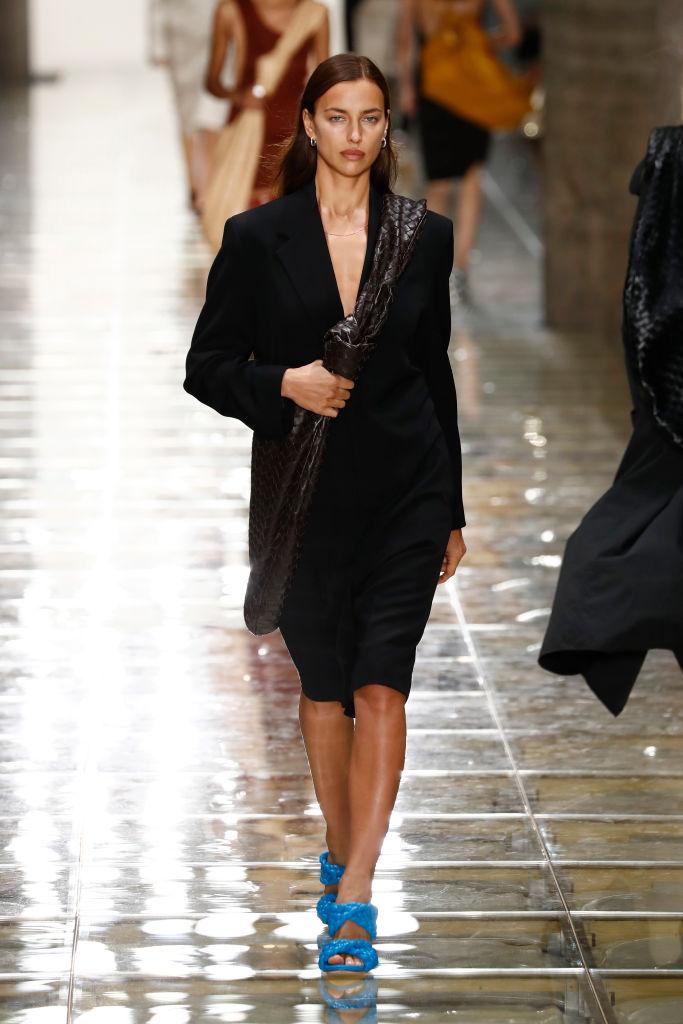 MILAN, ITALY - SEPTEMBER 19: Irina Shayk walks the runway at the Bottega Veneta show during the Milan Fashion Week Spring/Summer 2020 on September 19, 2019 in Milan, Italy. (Photo by John Phillips/Getty Images)