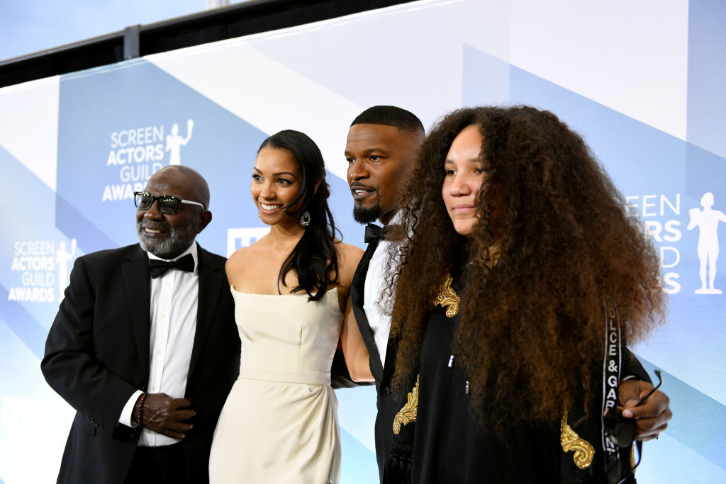 LOS ANGELES, CALIFORNIA - JANUARY 19: (L-R)  Darrell Bishop, Corinne Foxx, Jamie Foxx and Annalise Bishop attend the 26th Annual Screen Actors Guild Awards at The Shrine Auditorium on January 19, 2020 in Los Angeles, California. 721384 (Photo by Mike Coppola/Getty Images for Turner)