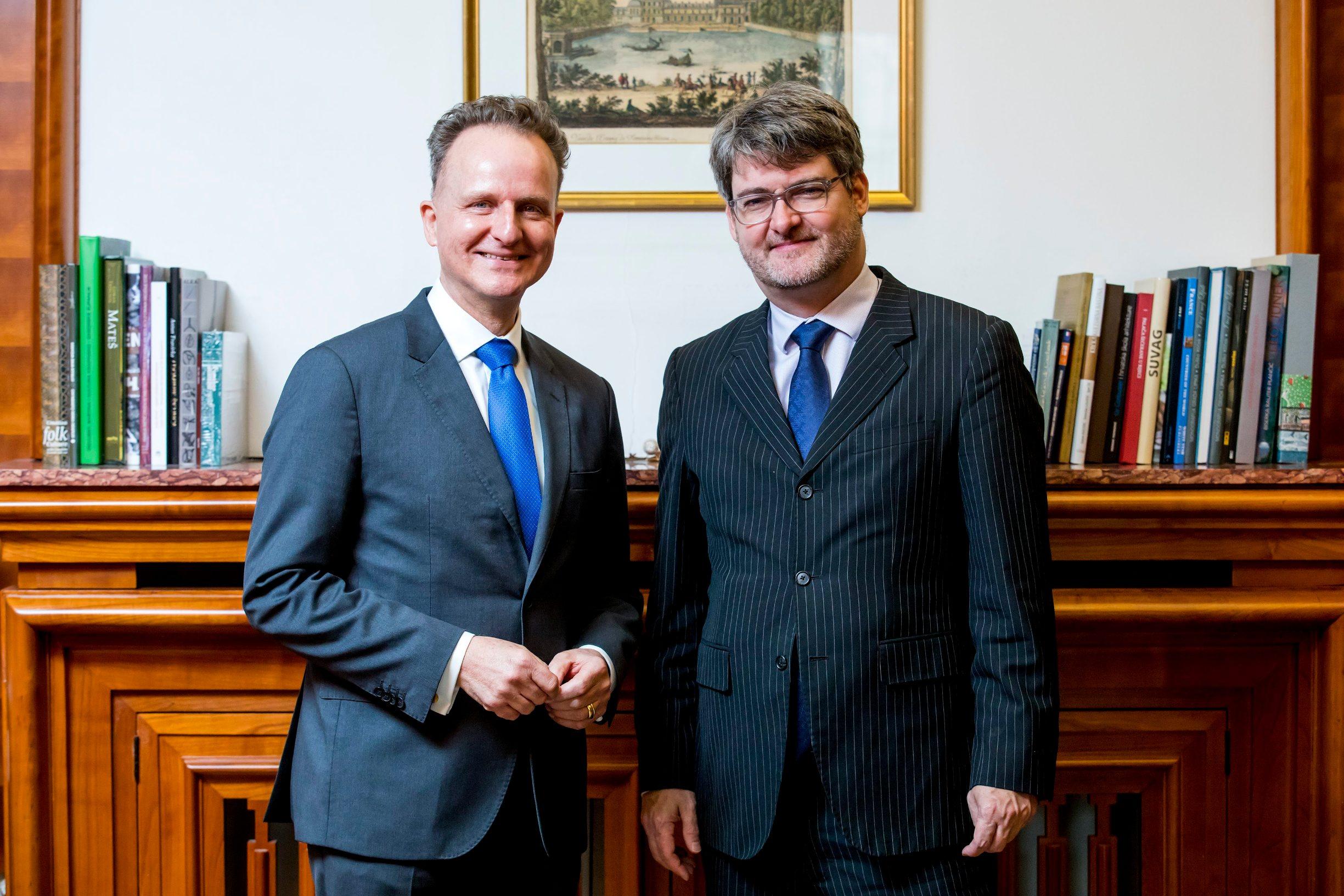 German ambassador Robert Klinke (left) and French ambassador Gaël Francois Veyssière
