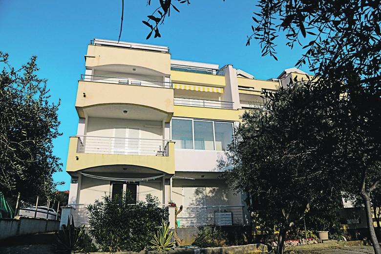 Otok Pag,240120. Apartmani u vlasnistvu ministra Kujundzica u Novalji. Foto: CROPIX