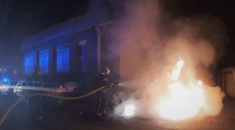Požar automobila na Srednjacima
