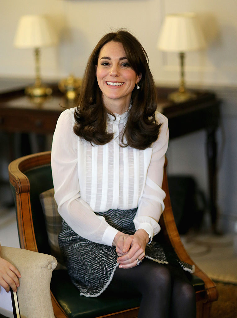 LONDON, ENGLAND - FEBRUARY 17:  Catherine, Duchess of Cambridge talks to children from the 'Real Truth' video blog that features on the Huffington Post website at Kensington Palace on February 17, 2016 in London, England. The Duchess of Cambridge is supporting the launch of the Huffington Post UK's initiative 'Young Minds Matter' by guest editing the Huffington Post UK today from Kensington Palace.  (Photo by Chris Jackson - WPA Pool/Getty Images)