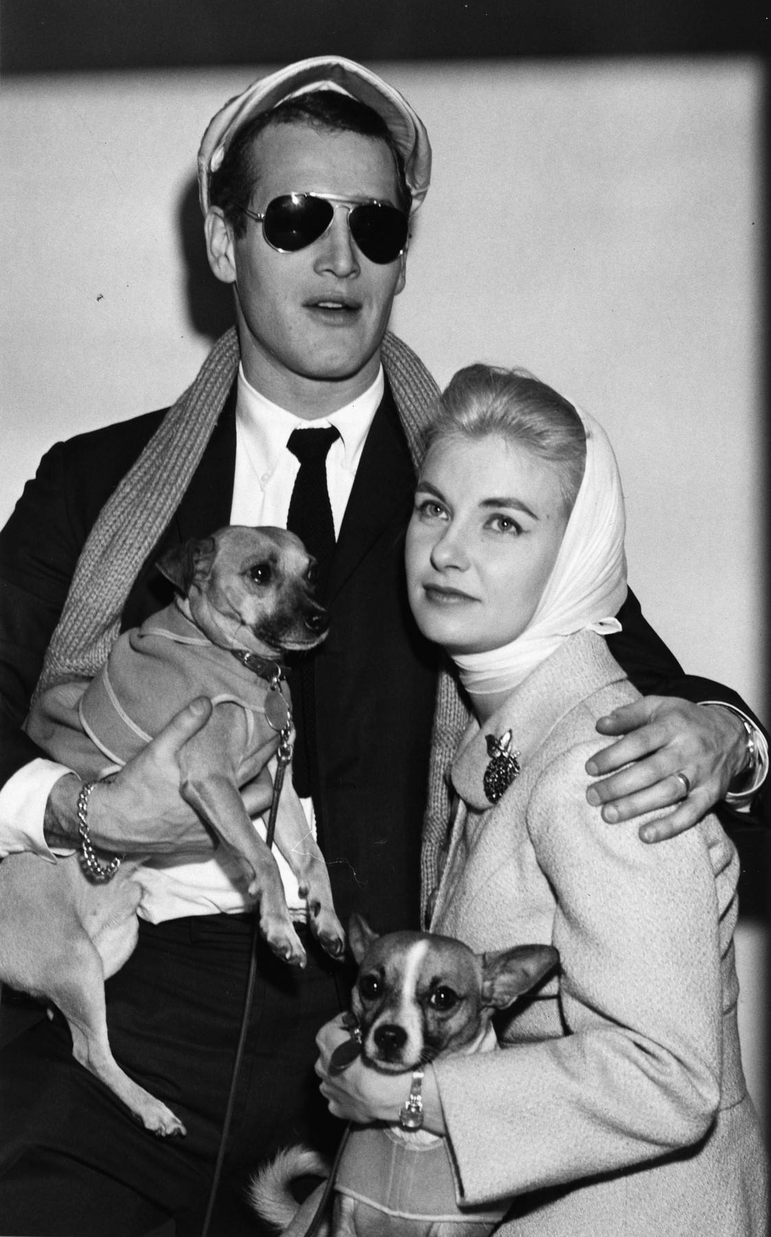 Late 1950's - Actor PAUL LEONARD NEWMAN with his wife JOANNE WOODWARD and two puppies. Exact date and place unknown., Image: 484483756, License: Rights-managed, Restrictions: FIle Photo: Late 1950's, Model Release: no, Credit line: Keystone Press Agency / Zuma Press / Profimedia