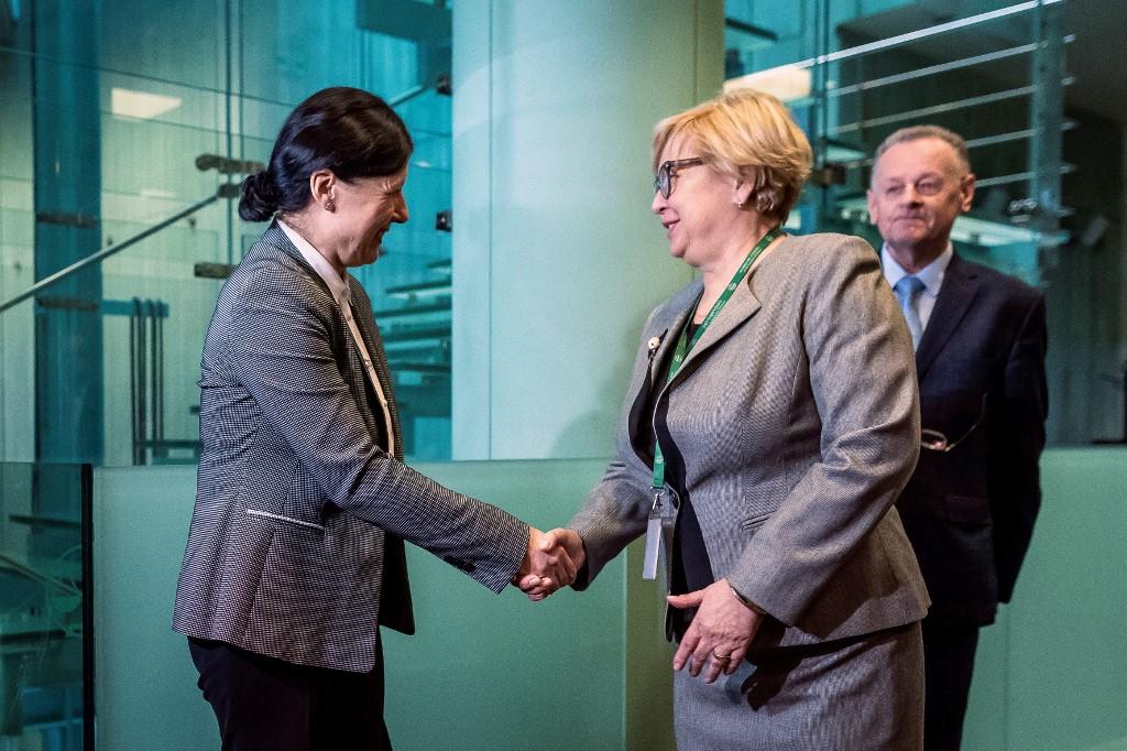 Povjerenica za vrijednosti i transparentnost Vera Jourova i predsjednica poljskog vrhovnog suda Malgorzata Gersdor