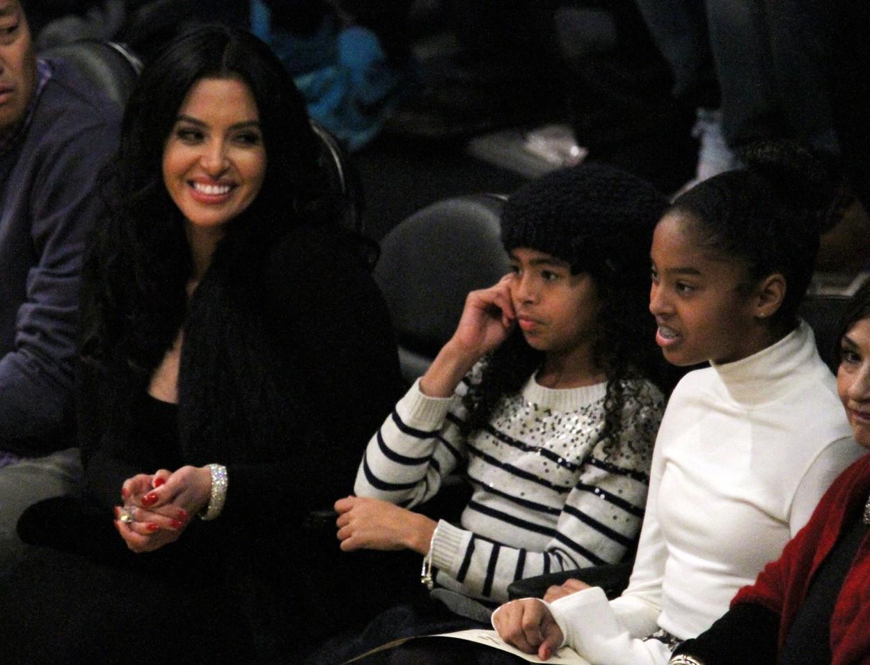Vanessa s kćerima