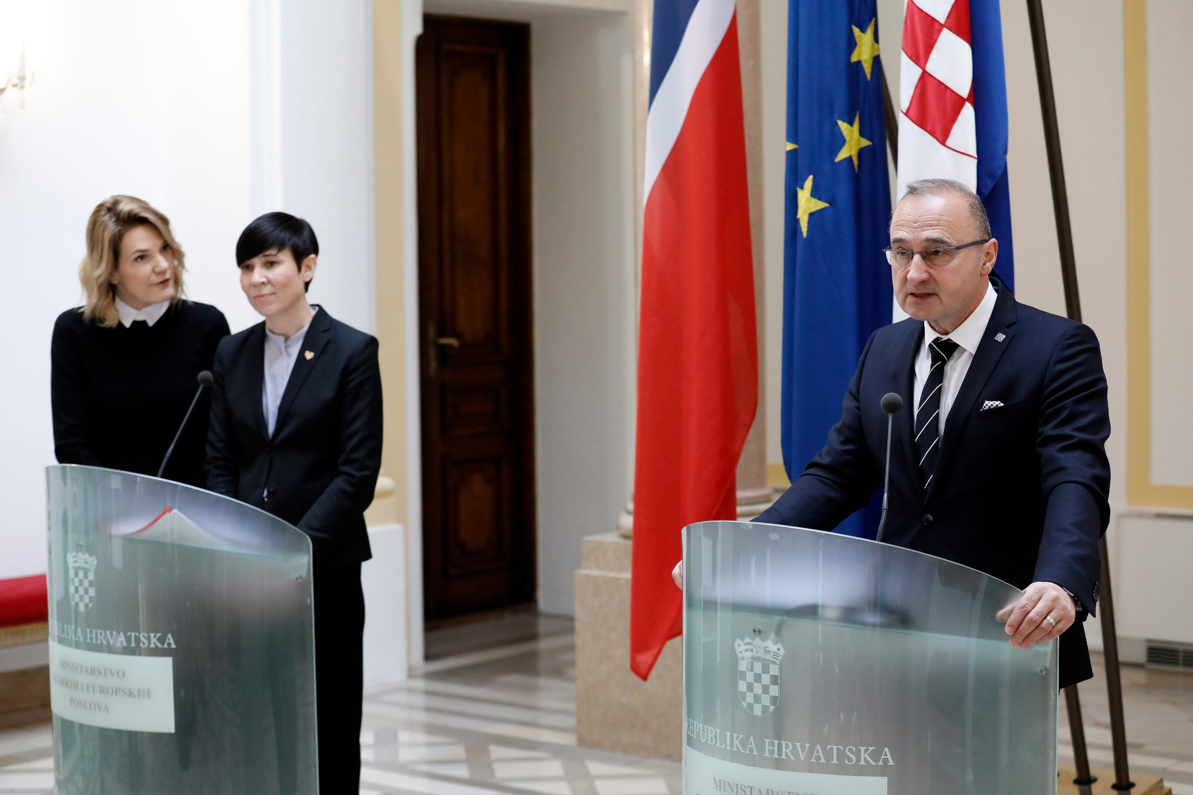 Croatian Foreign Minister Gordan Grlić Radman and Ine Eriksen Soreide his Norwegian counterpart