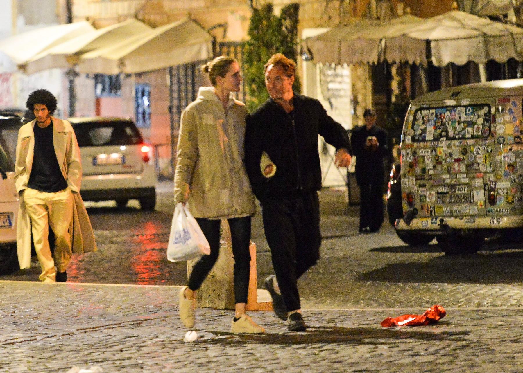 Jude Law i Phillipa Coan