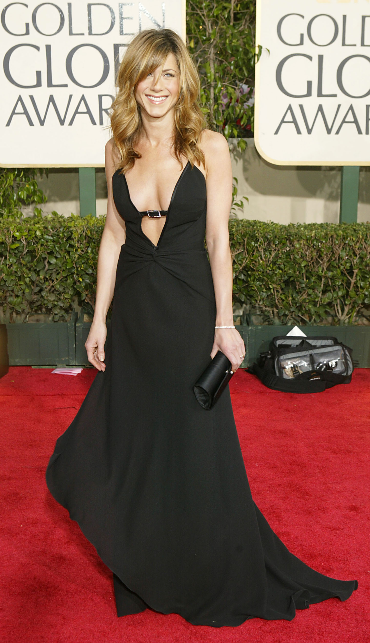 BEVERLY HILLS, CA - JANUARY 25:  Actress Jennifer Aniston attends the 61st Annual Golden Globe Awards at the Beverly Hilton Hotel on January 25, 2004 in Beverly Hills, California. (Photo by Carlo Allegri/Getty Images)