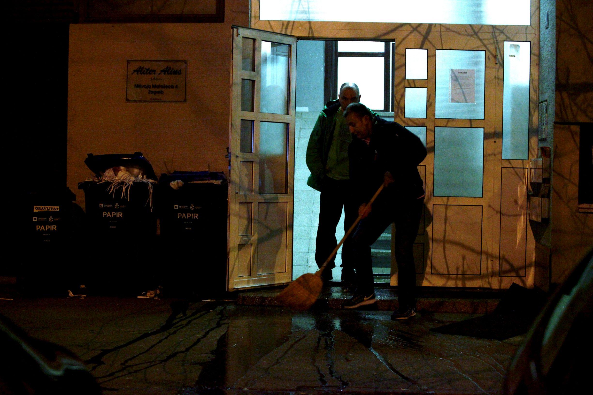 Zagreb, 030120. Ulica Milivoja Matoseca. Danas je u poslijepodnevnim satima na Malesnici doslo do pucnjave u kojoj je jedna osoba ozlijedjena te joj se pruza lijecnicka pomoc. Trenutno je u tijeku policijski ocevid. Foto: Zeljko Puhovski / CROPIX