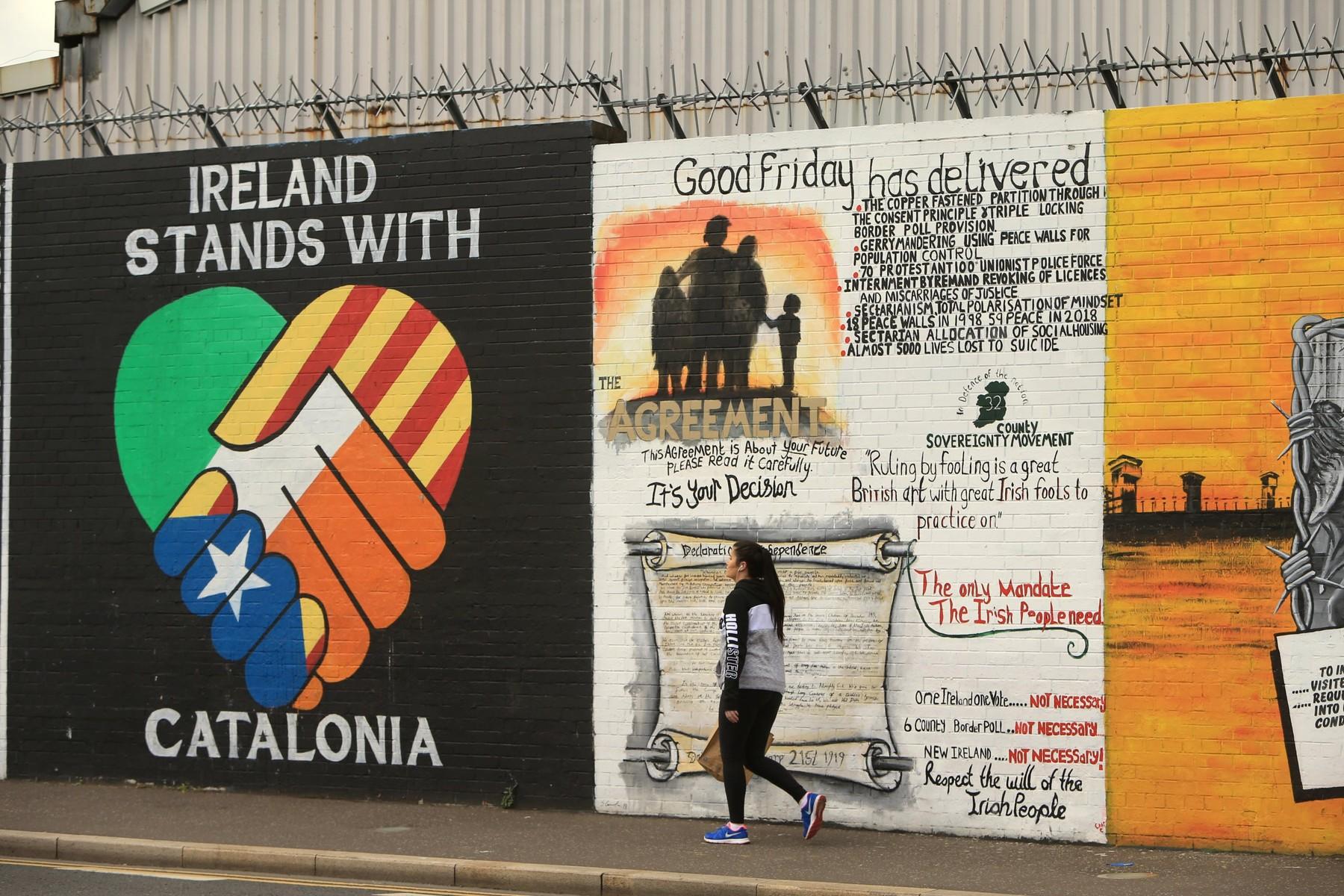 Zid koji dijeli grad Belfast na protestantski i katolički dio