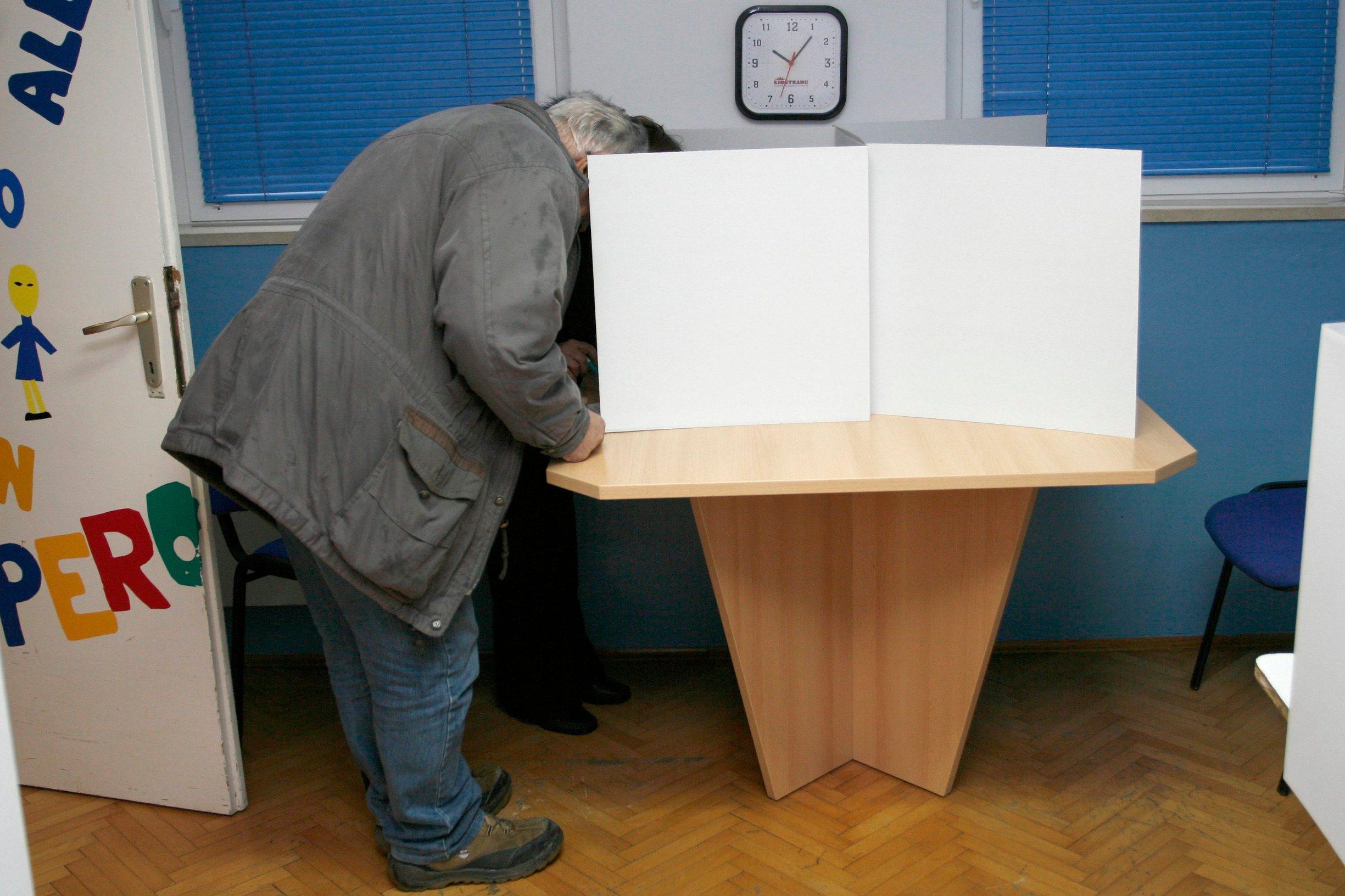 izbori_makarska1-271209