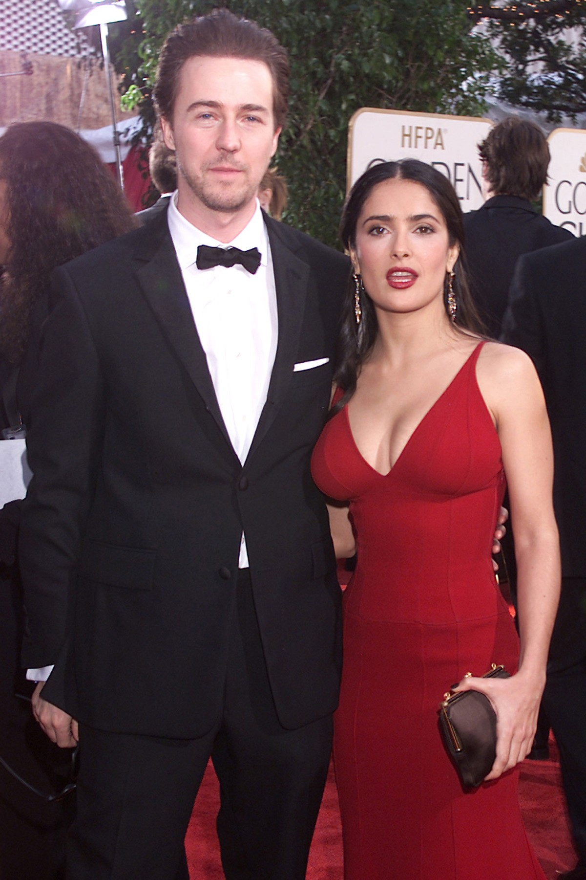 Ed Norton and Salma Hayek (wearing Narciso Rodriguez) at Golden Globe Awards, LA, CA 1/19/2003, NBC/Courtesy of the Everett, Image: 98305779, License: Rights-managed, Restrictions: For usage credit please use; Courtesy Everett Collection, Model Release: no, Credit line: Courtesy Everett Collection / Everett / Profimedia