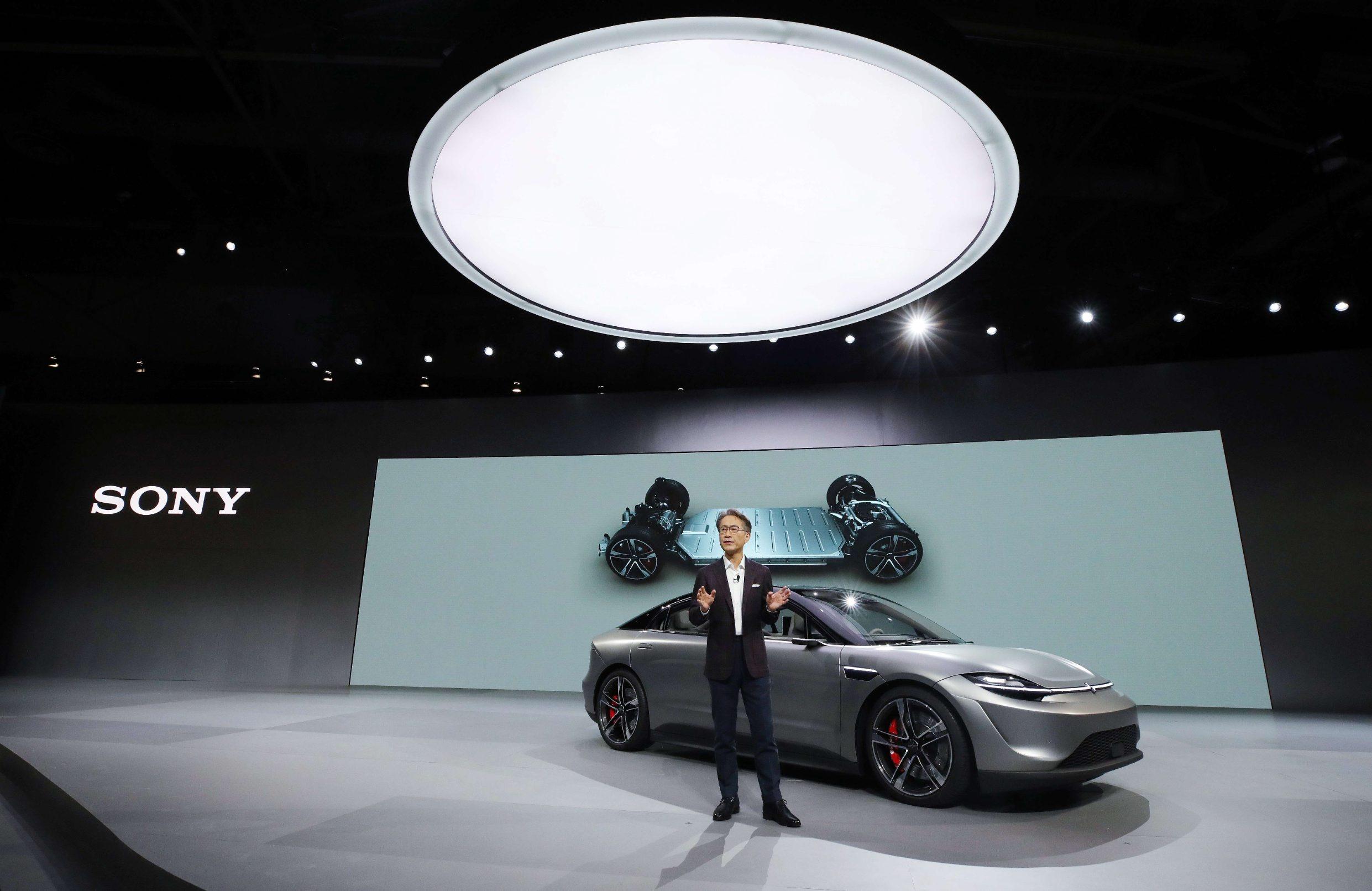 Izvršni direktor Sonyja Kenichiro Yoshida predstavlja električni automobil kompanije Vision S