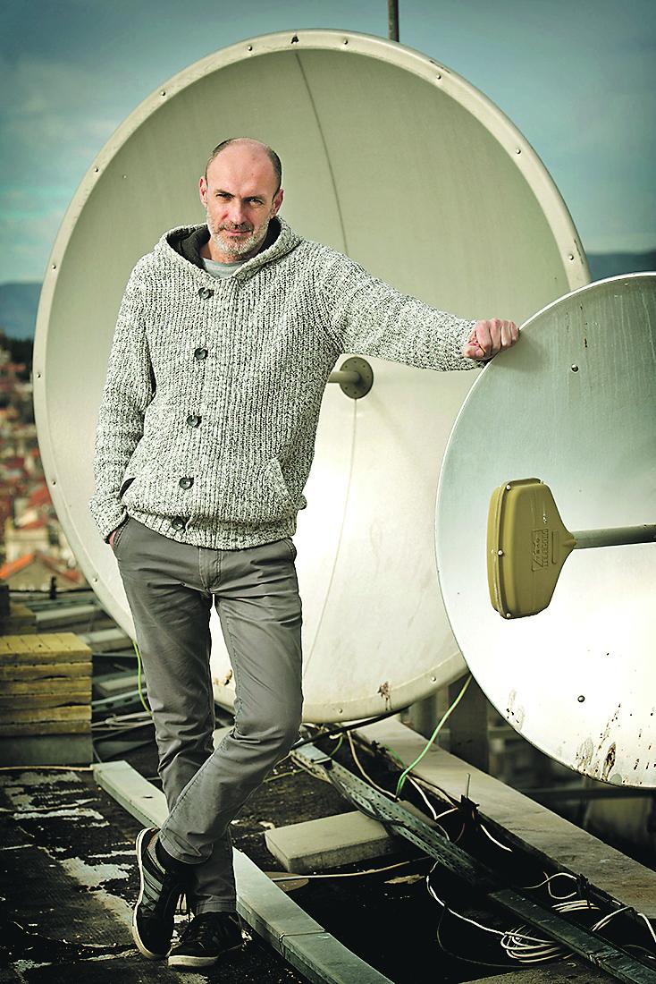 Split, 230118. Josko Bonaci dugogodisnji radijski novinar i voditelj splitskog radia Radio Dalmacija nominiran je za nagradu Radijski glas godine u organizaciji Jutarnjeg lista. Foto: Paun Paunovic / CROPIX
