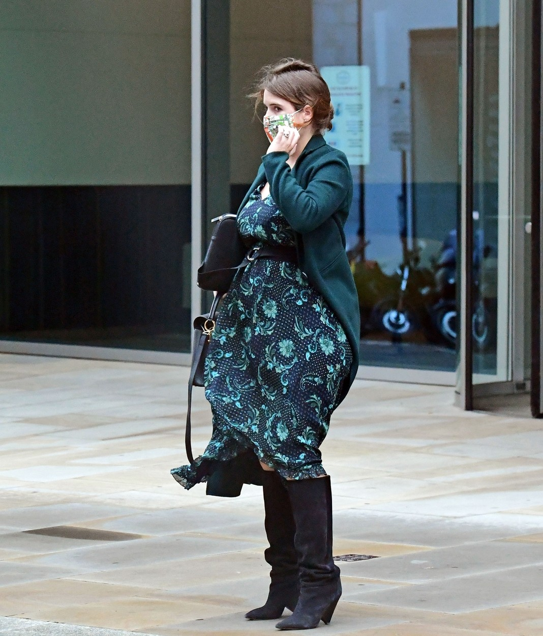 London, UNITED KINGDOM  - *PREMIUM-EXCLUSIVE*  - MUST CALL FOR PRICING BEFORE USAGE   - Princess Eugenie seen showcasing her growing baby bump in the capital as she battles with the windy conditions.   The Princess was seen looking elegant and fashionable as she stepped out in a matching green dress and coat in Mayfair London.  *UK Clients - Pictures Containing Children Please Pixelate Face Prior To Publication*,Image: 560889792, License: Rights-managed, Restrictions: , Model Release: no, Credit line: BACKGRID / Backgrid UK / Profimedia