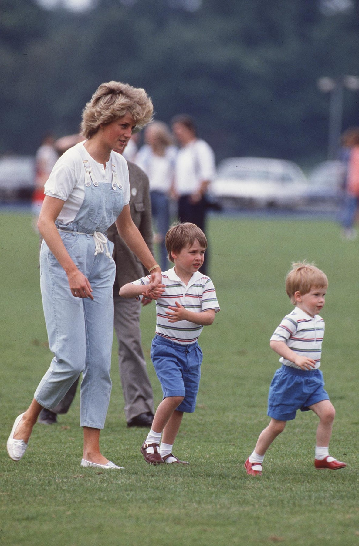 HRH PRINCESS OF WALES With her sons Left: HRH PRINCE WILLIAM and Right: HRH PRINCE HARRY at Smith's Lawn, Windsor,Image: 22089128, License: Rights-managed, Restrictions: For queries call UPPA + 44 (0)20 7421 6000, Model Release: yes, Credit line: UPPA/Photoshot / Avalon Editorial / Profimedia