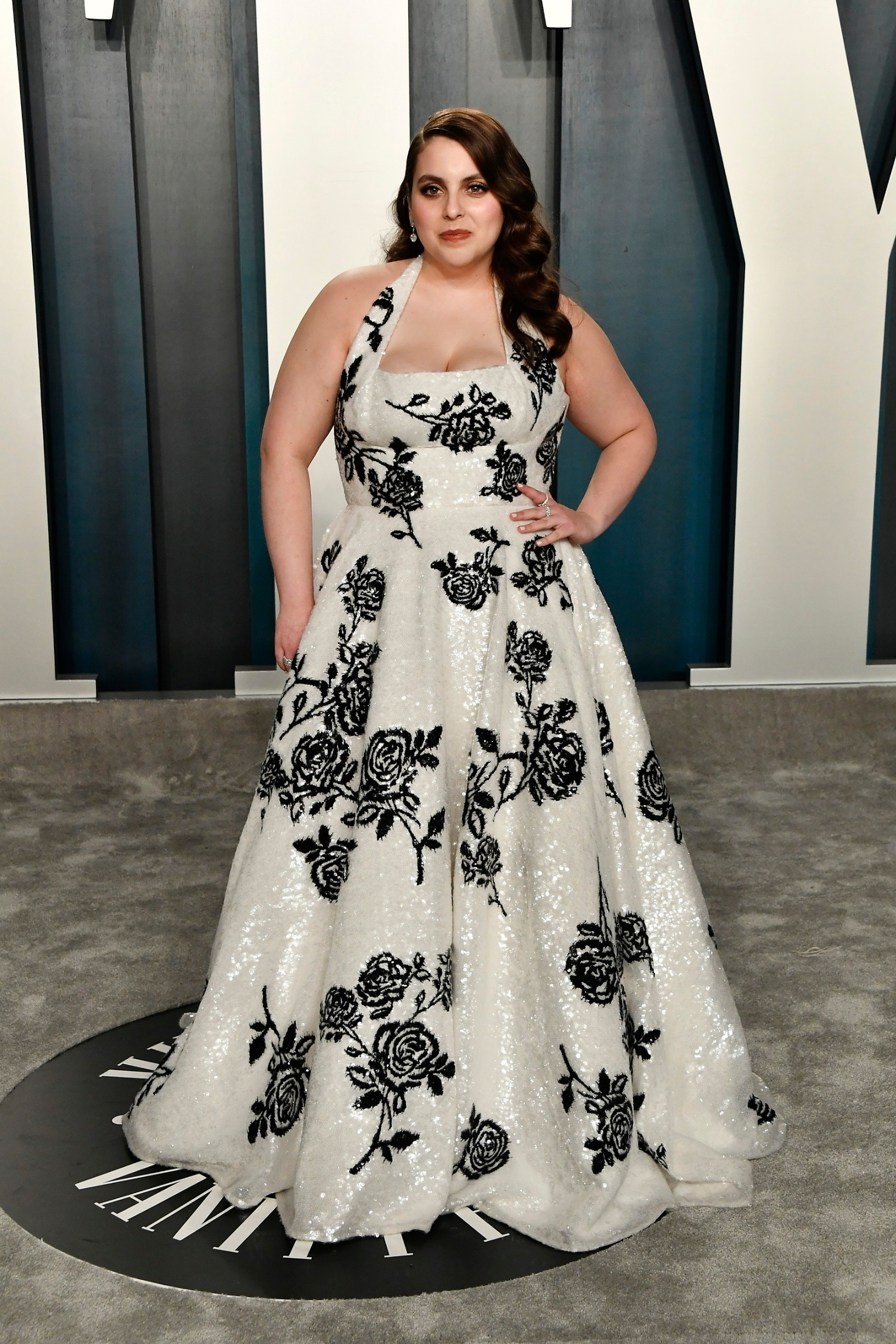 BEVERLY HILLS, CALIFORNIA - FEBRUARY 09: Beanie Feldstein  attends the 2020 Vanity Fair Oscar Party hosted by Radhika Jones at Wallis Annenberg Center for the Performing Arts on February 09, 2020 in Beverly Hills, California. (Photo by Frazer Harrison/Getty Images)